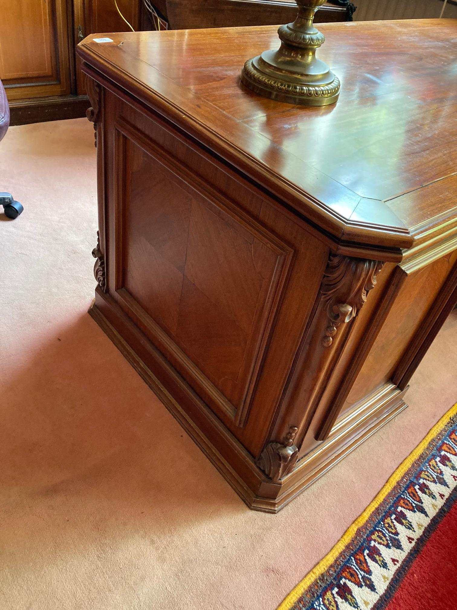 A good Georgian style mahogany kneehole pedestal Desk, the rectangular top with canted corners and - Image 5 of 5
