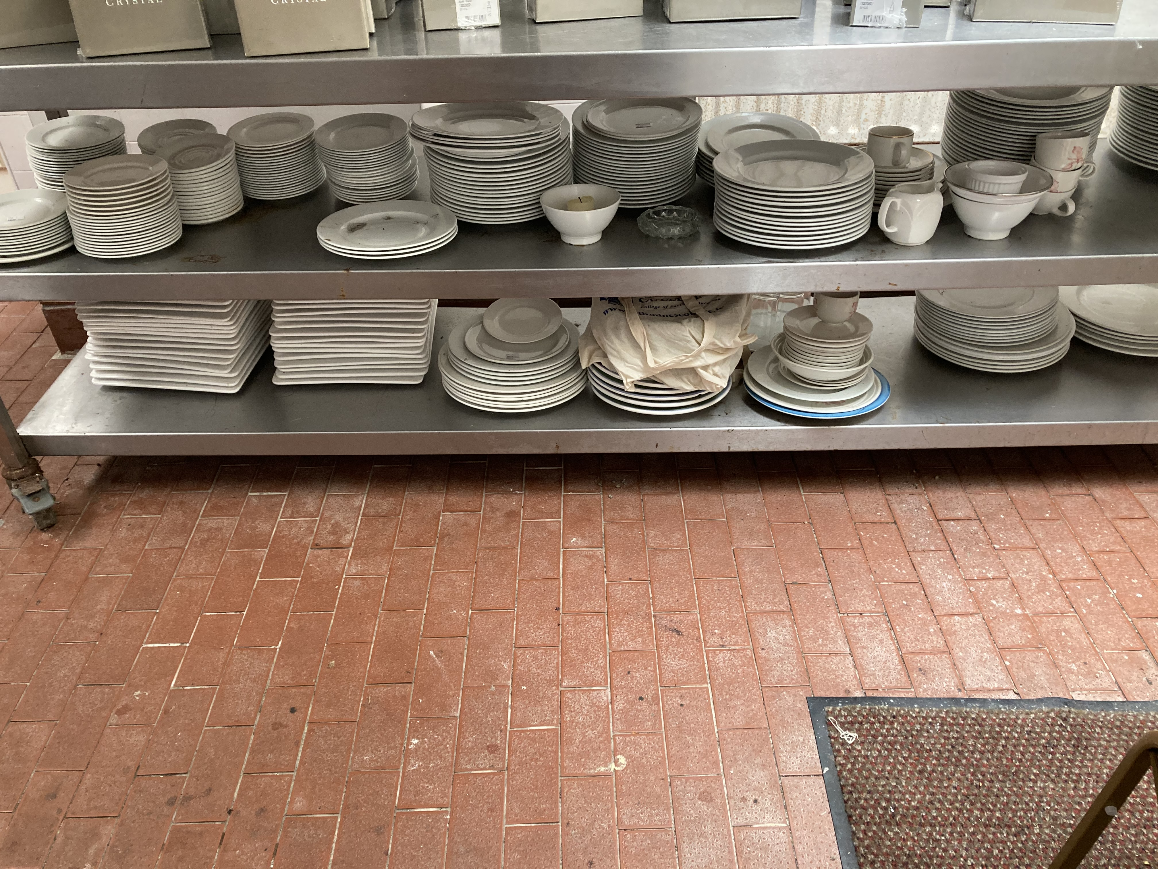 A very large quantity of white Restaurant Crockery, dinner plates, soup bowls, side plates, cups,