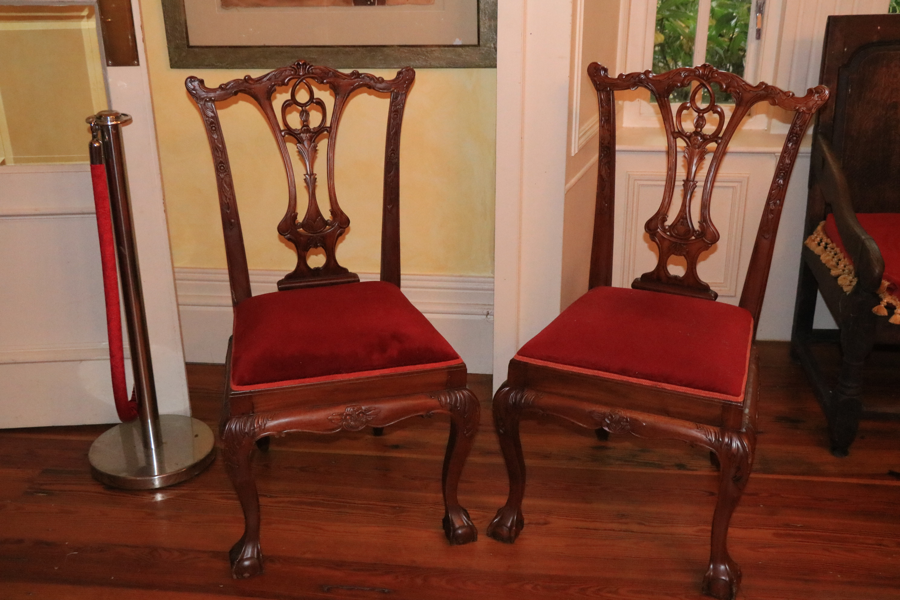 A set of 8 Chippendale style mahogany Dining Chairs, each with pierced vase shaped splat on front - Image 2 of 2