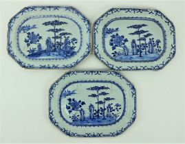 A good set of three Nankin Chinese porcelainÿblue and white Platters, decorated with trees and