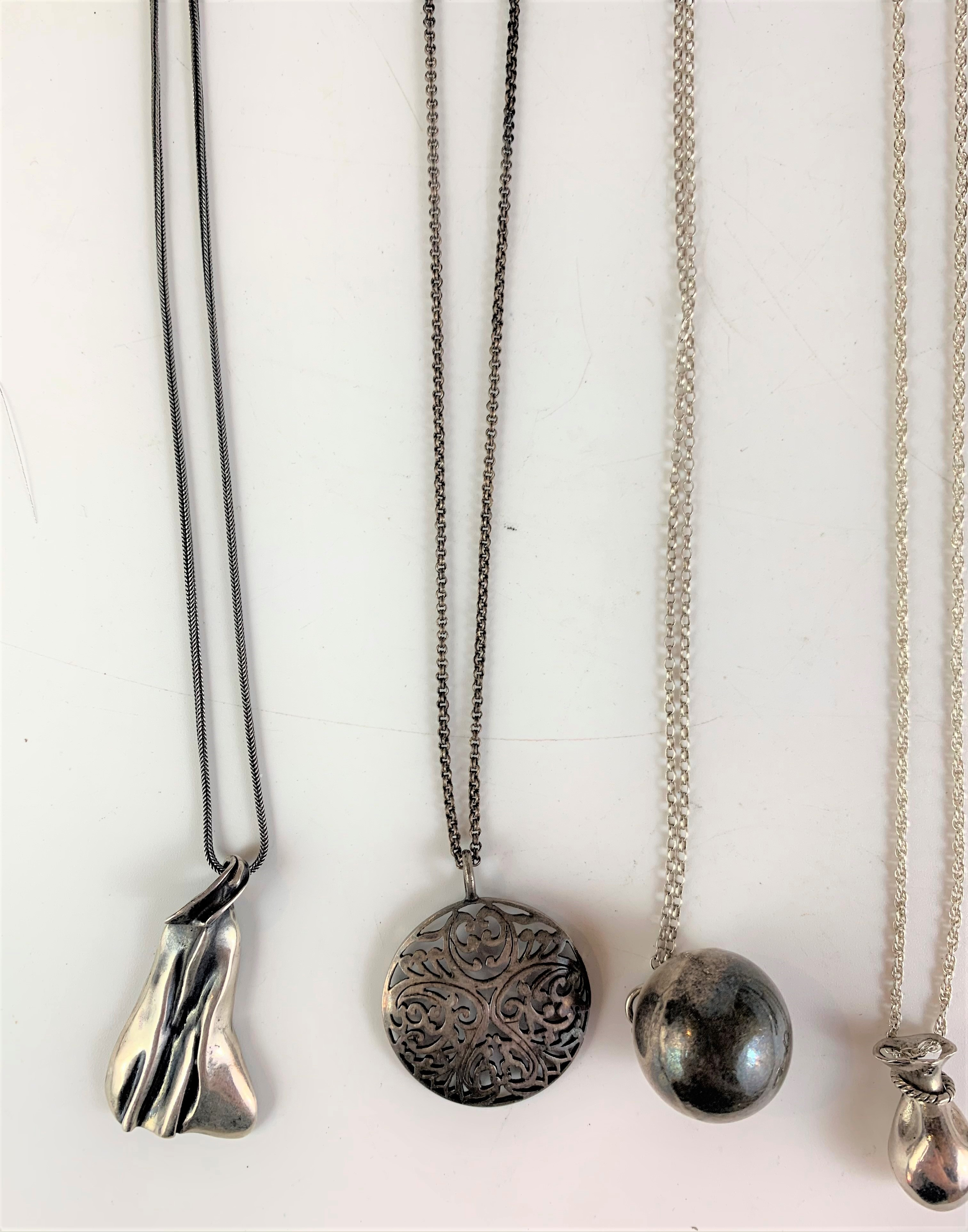 7 assorted silver necklaces and pendants, total w: 2.4 ozt - Image 3 of 6
