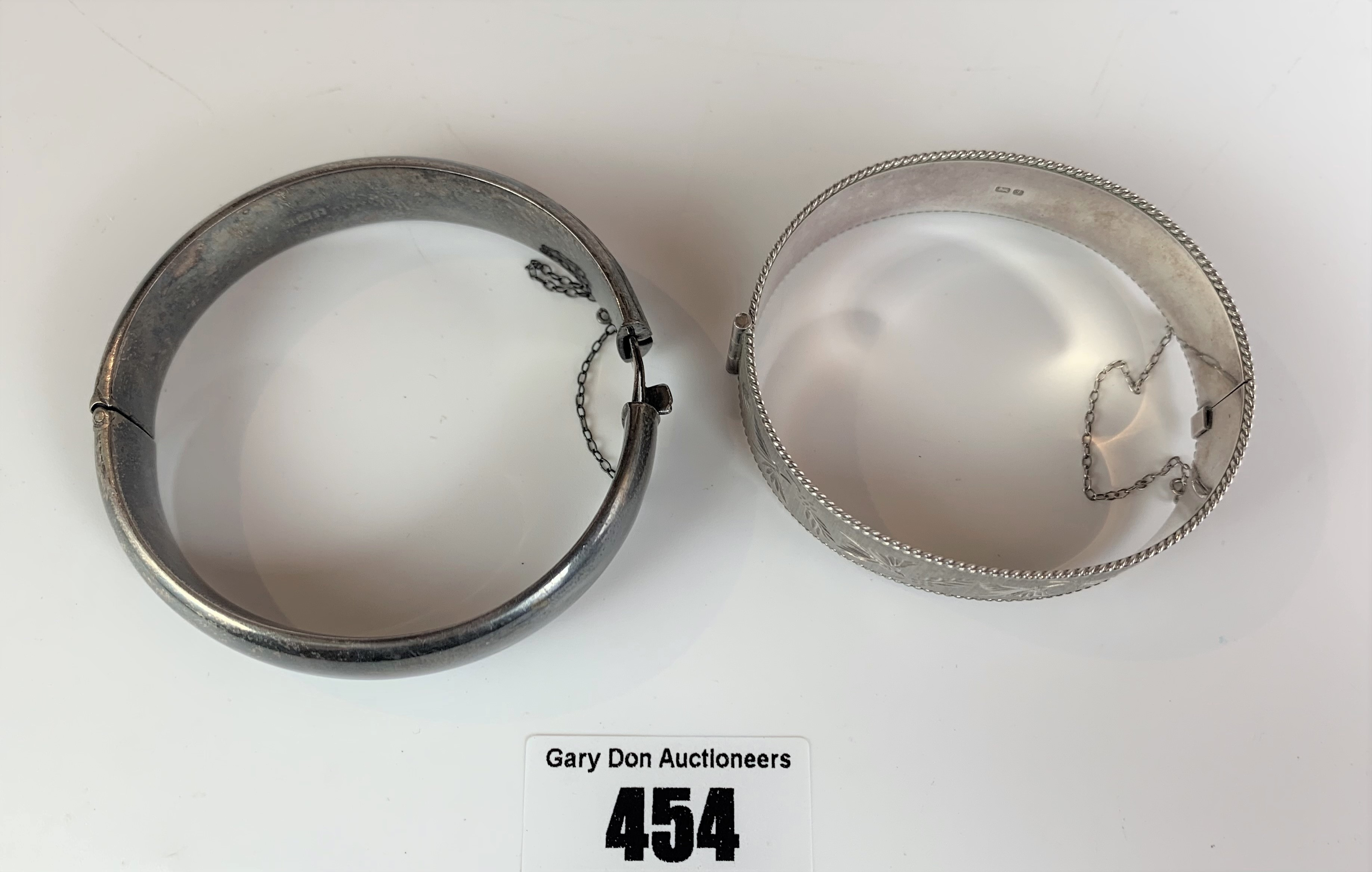 2 silver engraved bangles, total w: 1.5 ozt - Image 2 of 7