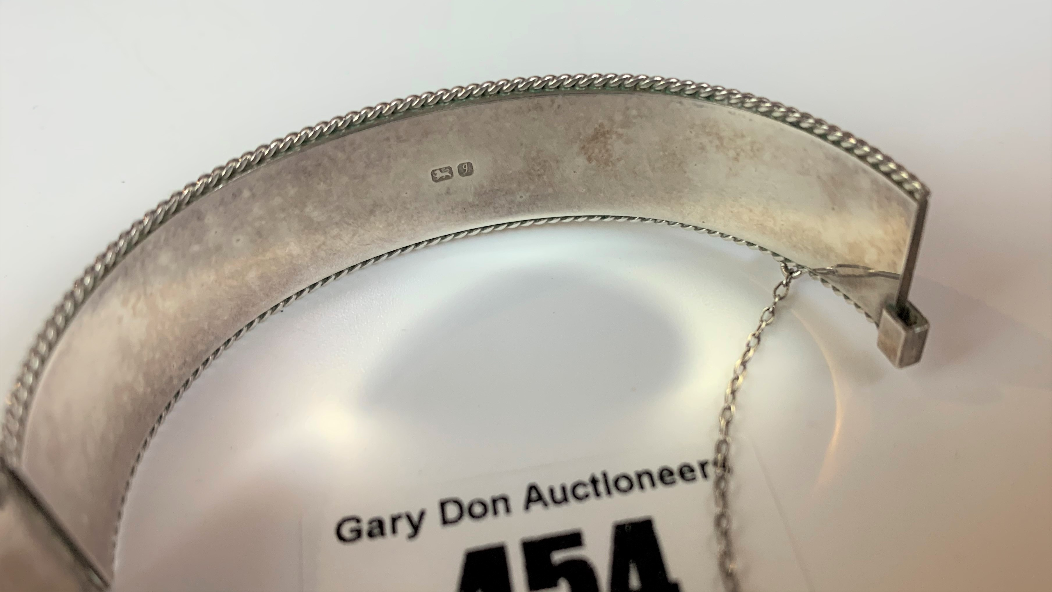 2 silver engraved bangles, total w: 1.5 ozt - Image 6 of 7