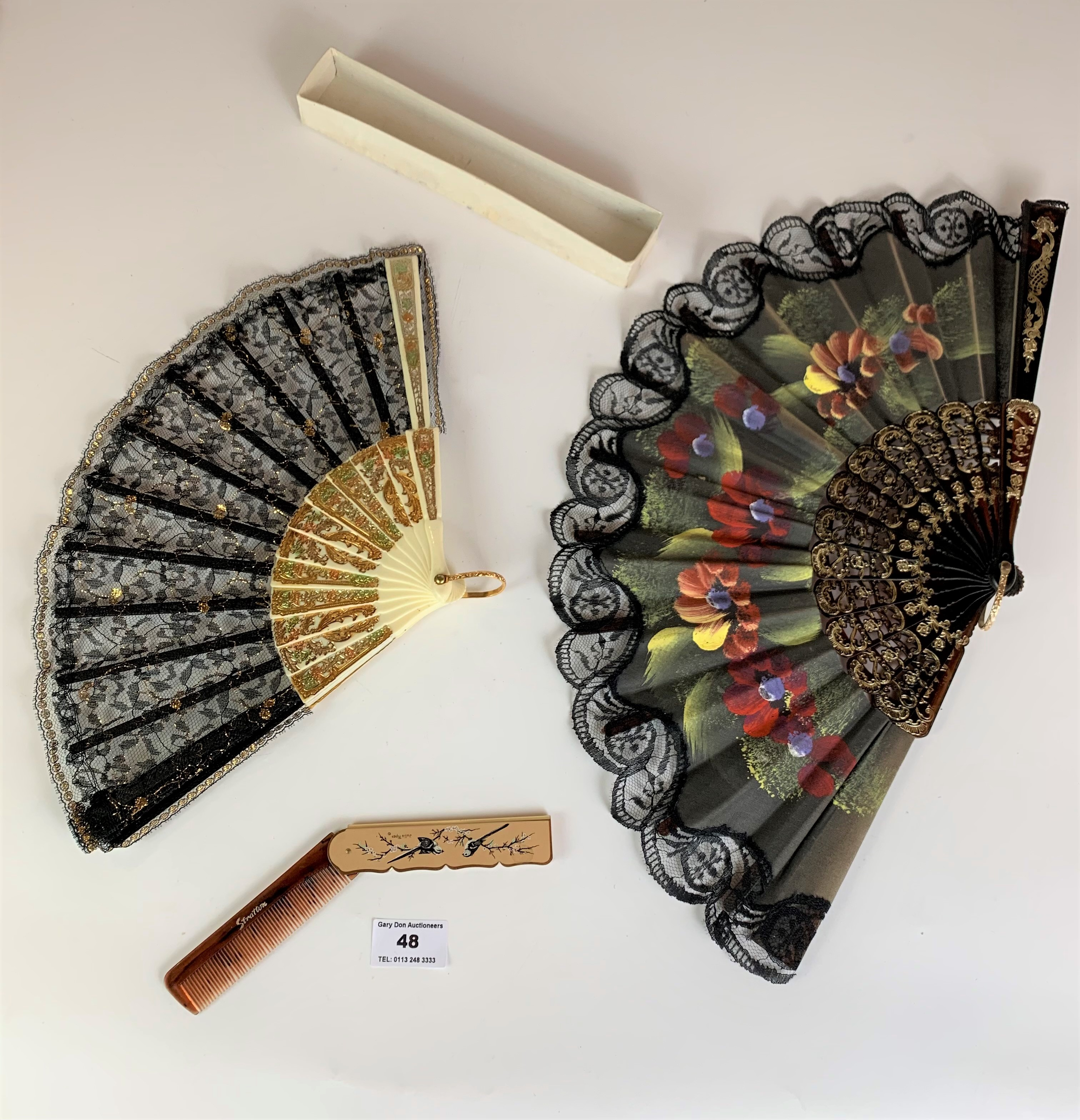 2 fans and a comb