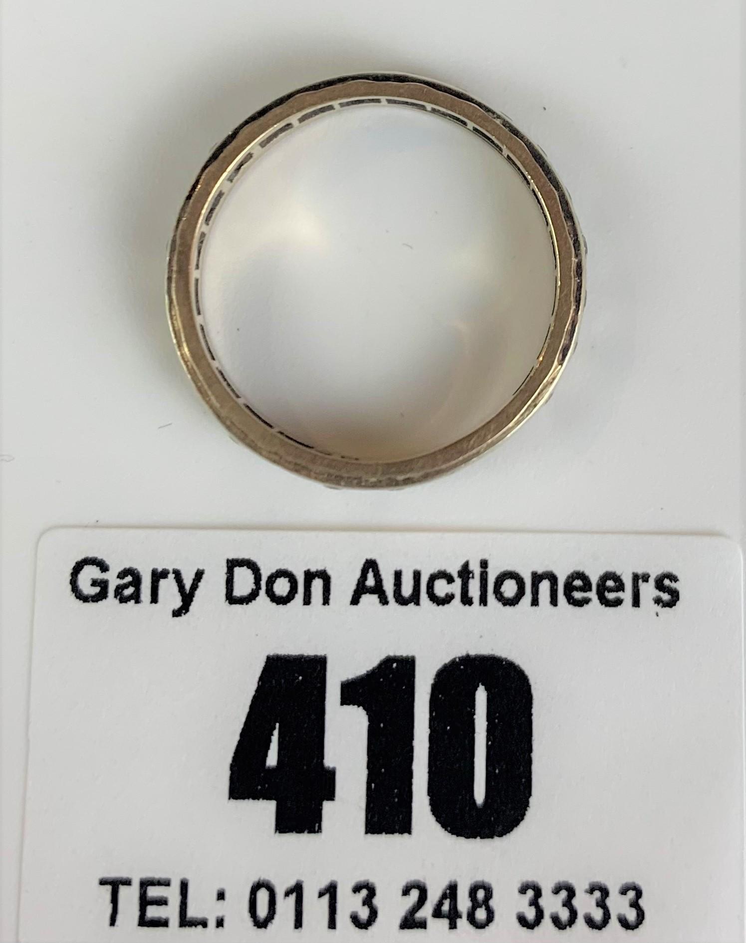 9k gold engraved ring, size N, w: 2.3 gms - Image 4 of 6