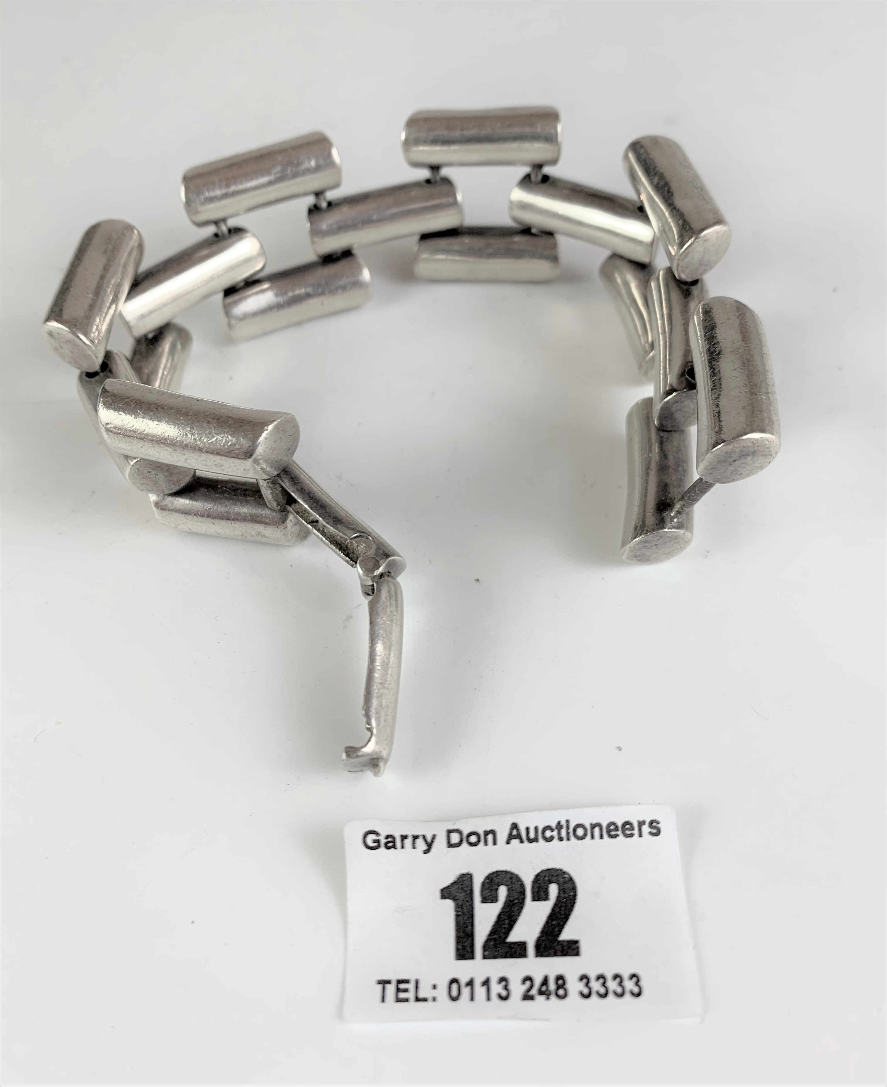 Unusual chain style silver bracelet, w: 4 ozt - Image 6 of 6