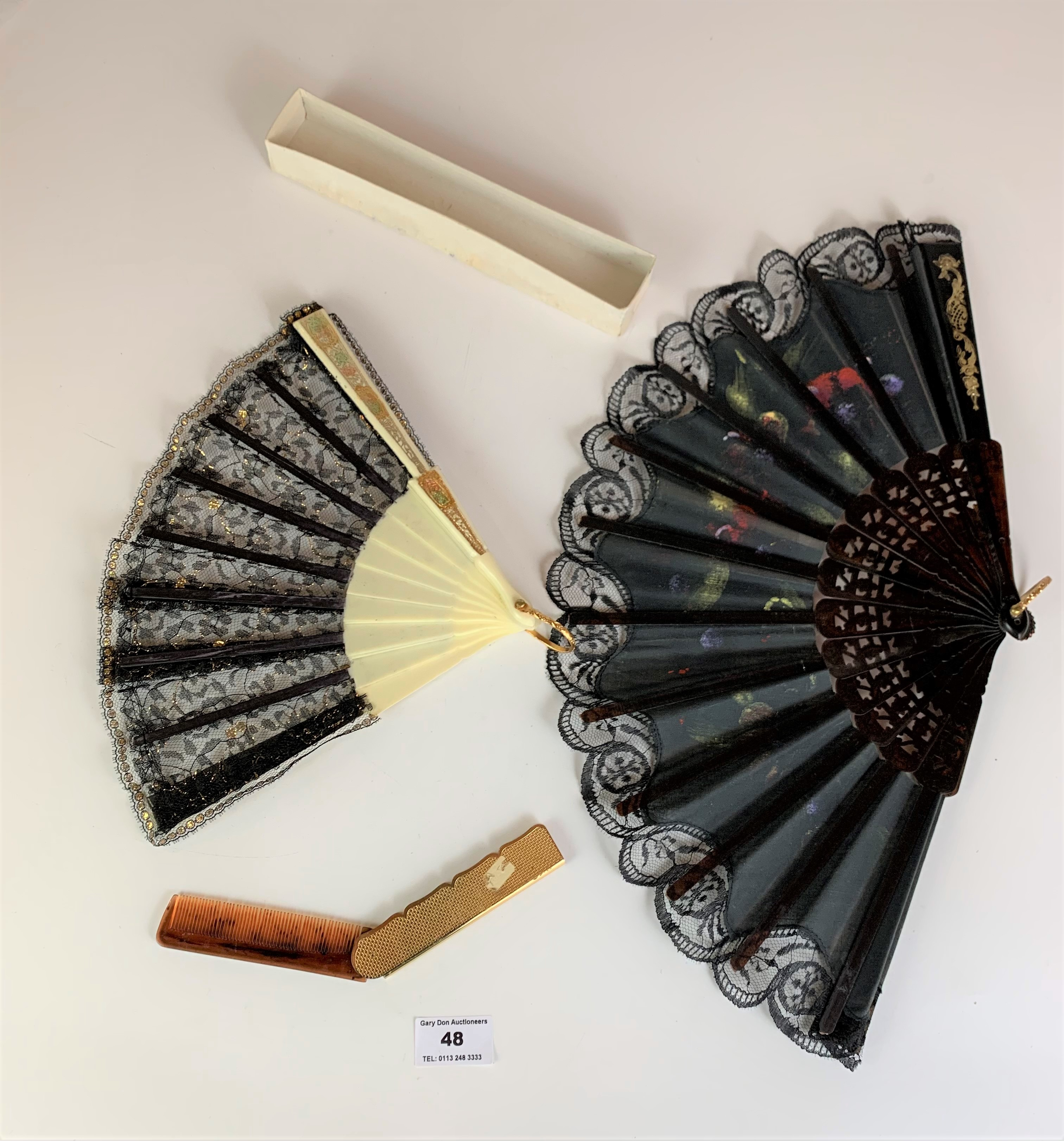 2 fans and a comb - Image 4 of 4