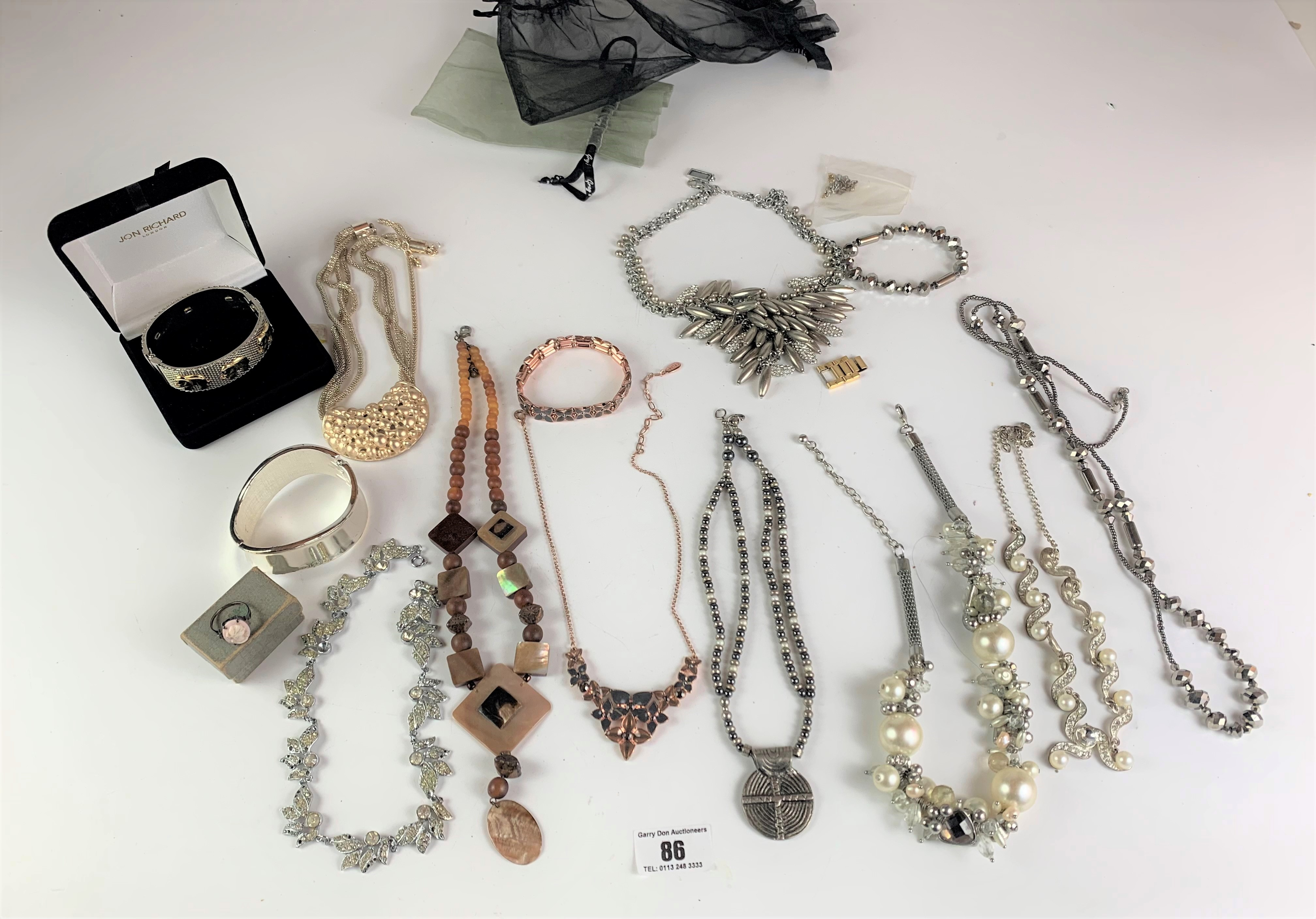 Large bag of assorted dress jewellery including necklaces, bracelets and rings - Image 2 of 6