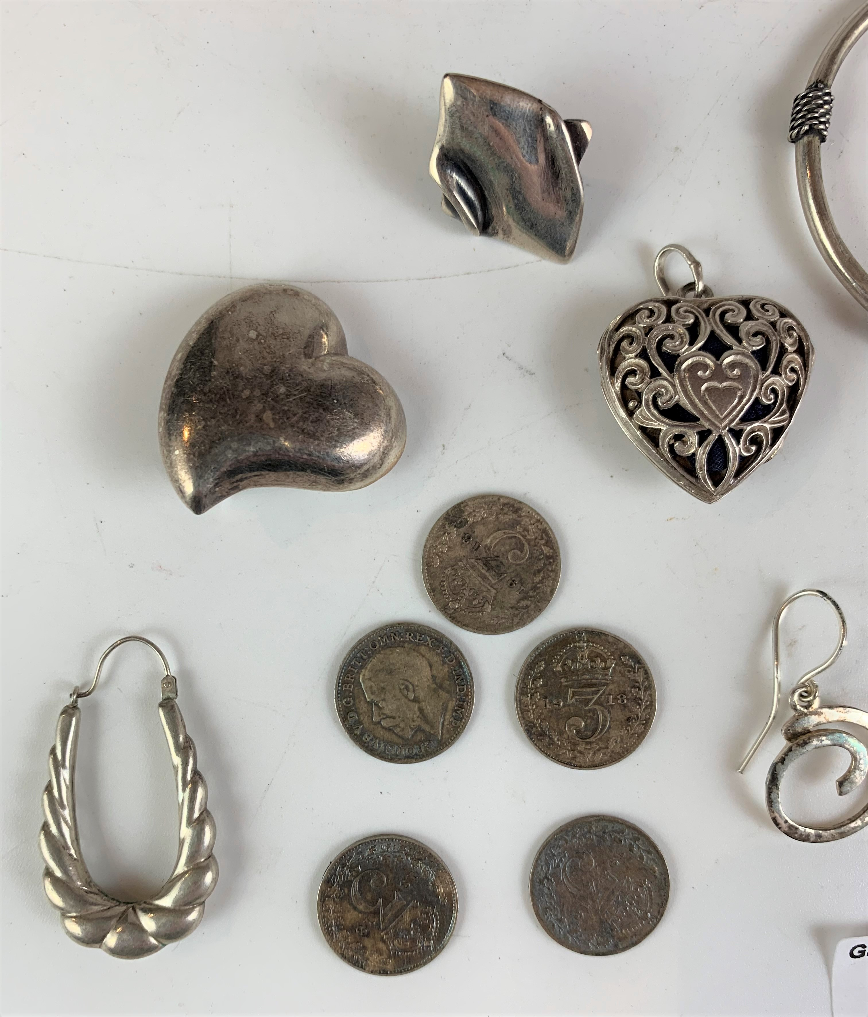 Assorted silver jewellery and coins, total w: 1.3 ozt - Image 3 of 5