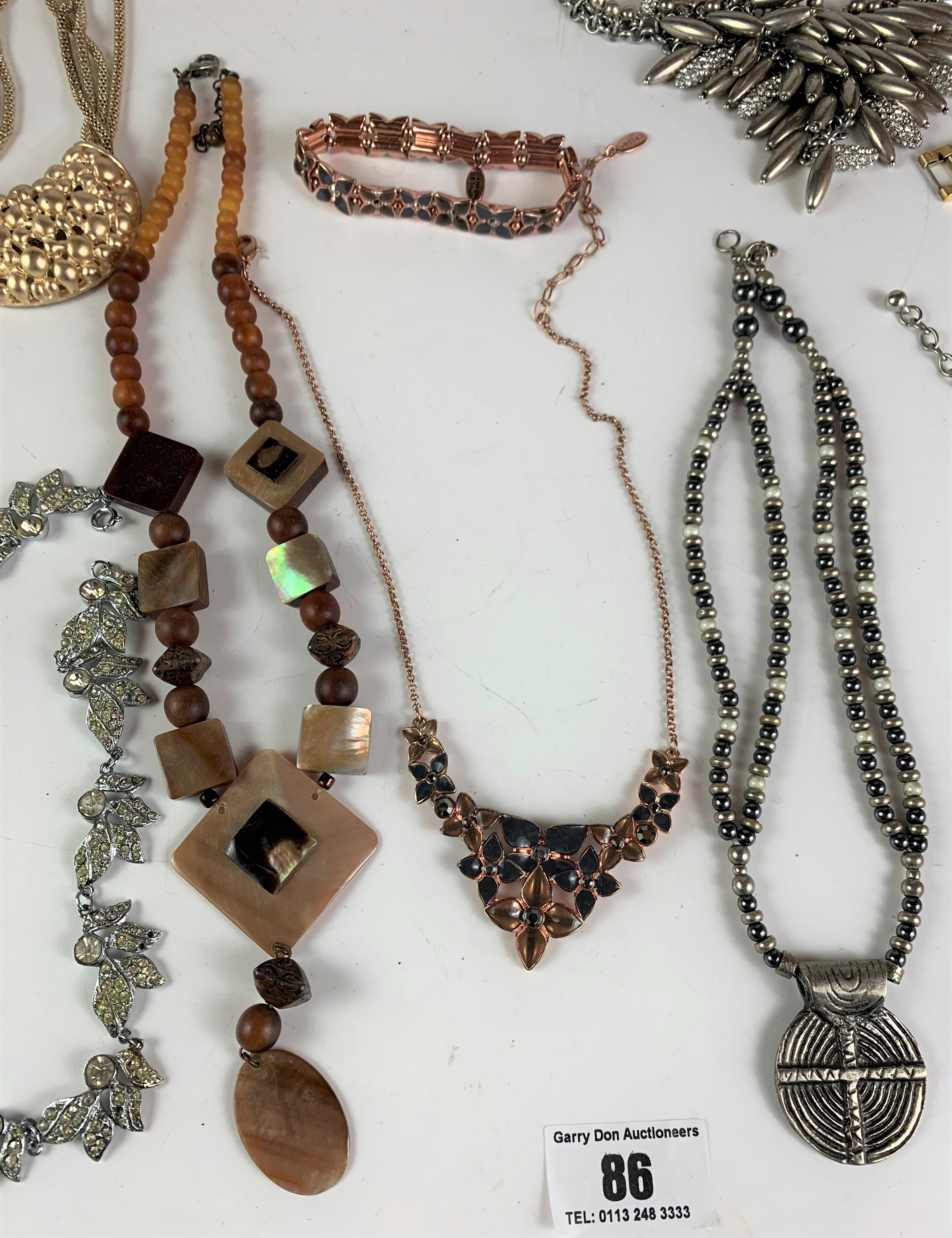 Large bag of assorted dress jewellery including necklaces, bracelets and rings - Image 4 of 6