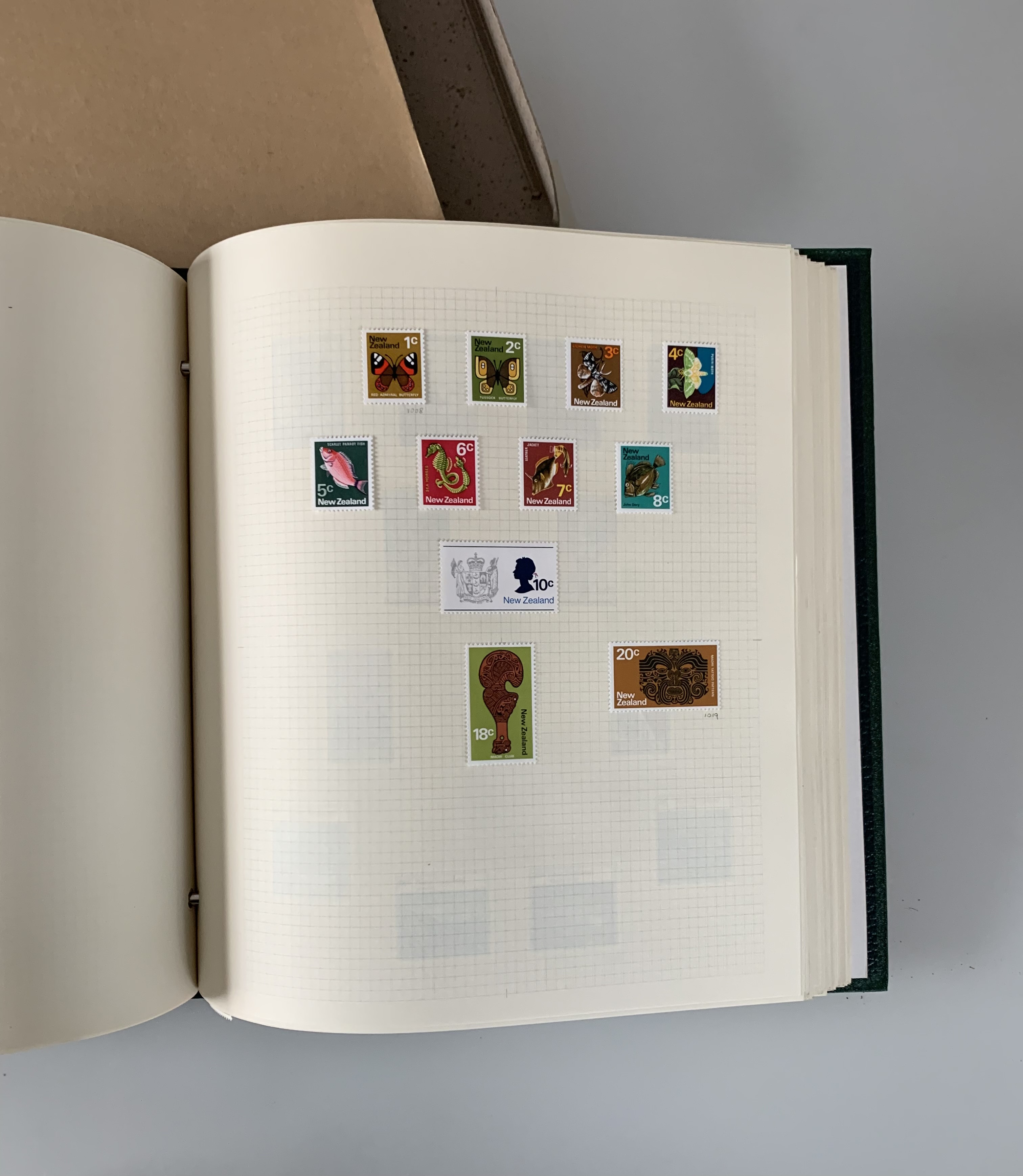 Boxed green Devon album of mint stamps, MAU-P - Image 3 of 3