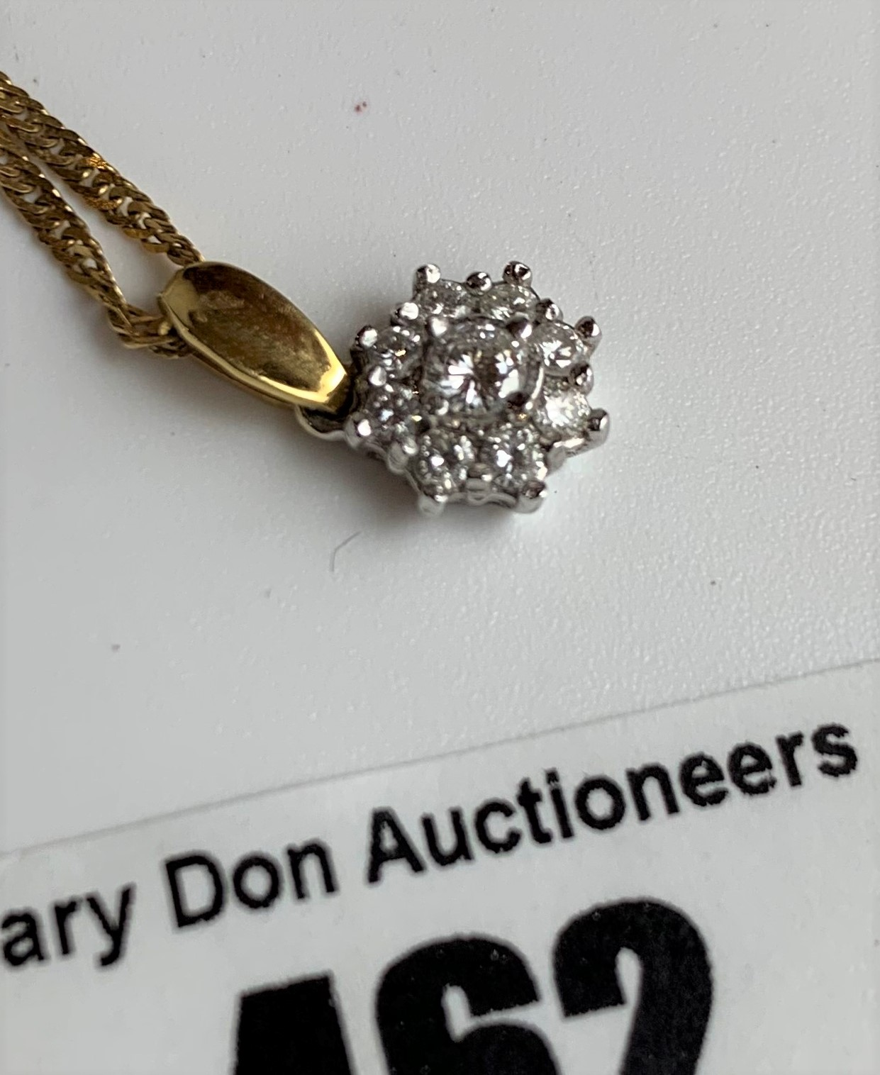 """9k gold necklace, length 15"""" and 18k gold diamond pendant, total w: 3.6 gms - Image 2 of 5"""
