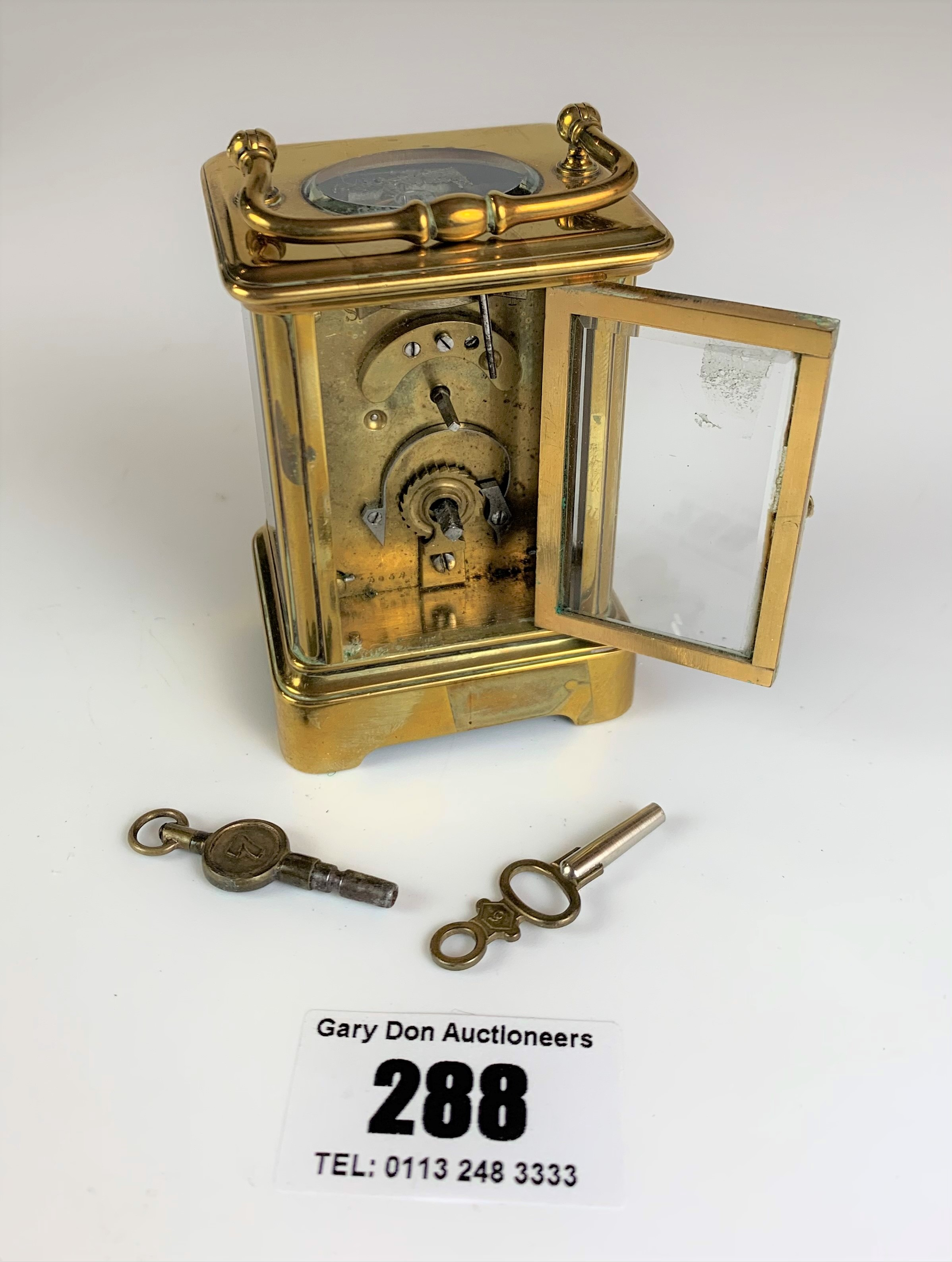 """Miniature brass carriage clock, 3"""" high plus handle. Working with key - Image 6 of 9"""