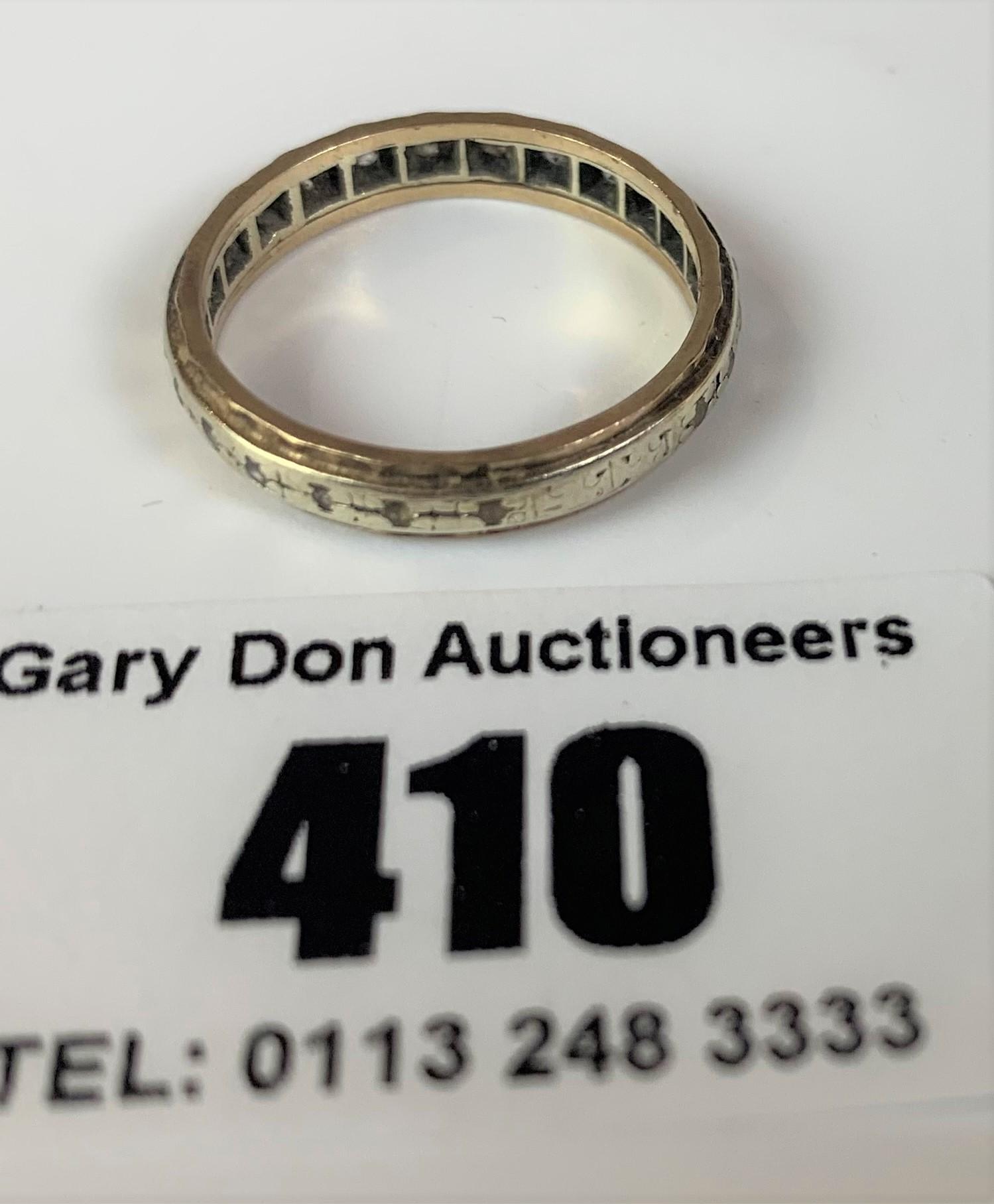 9k gold engraved ring, size N, w: 2.3 gms