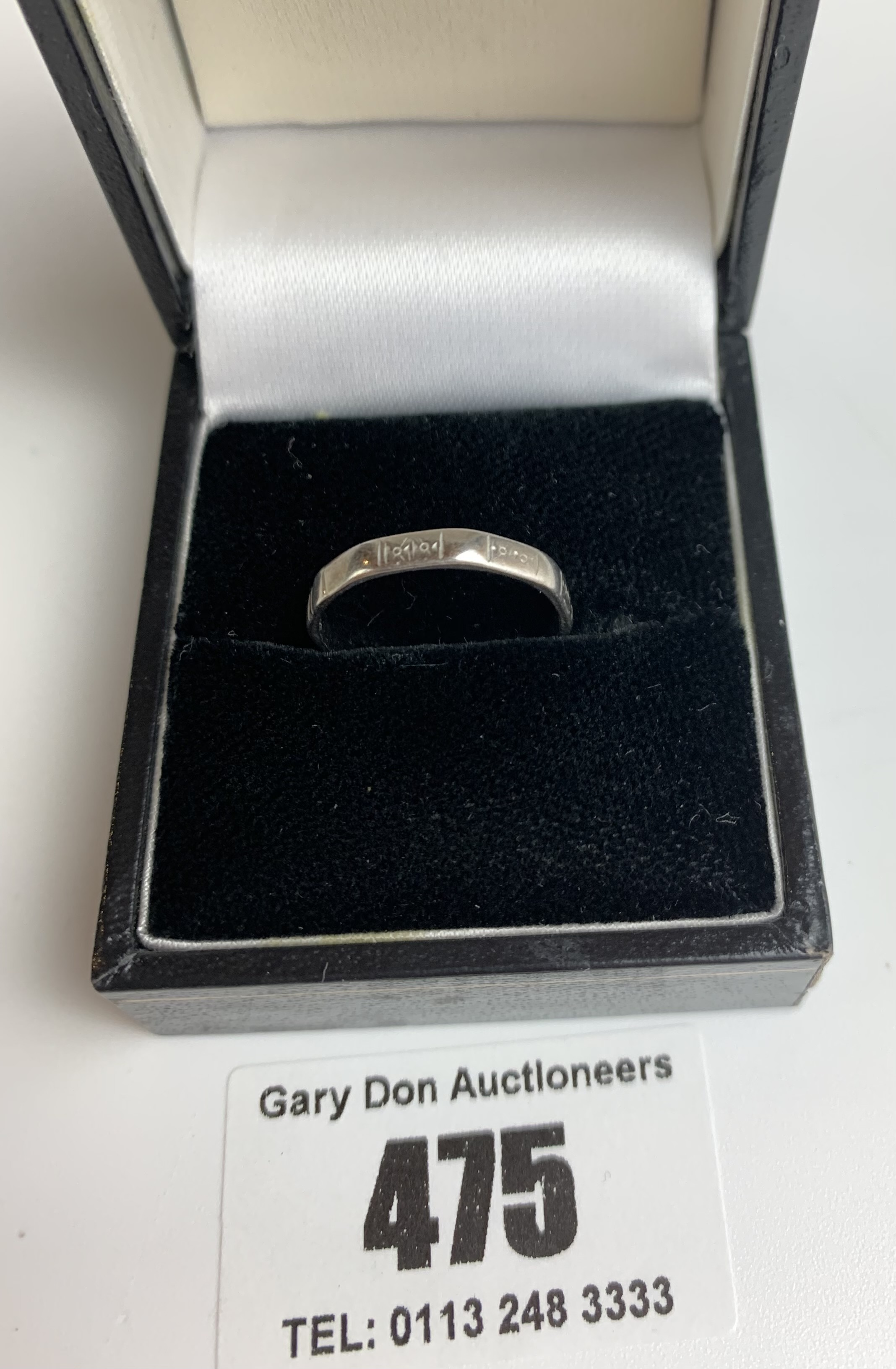 2 platinum wedding bands, sizes L and M, total w: 4.8 gms - Image 3 of 6