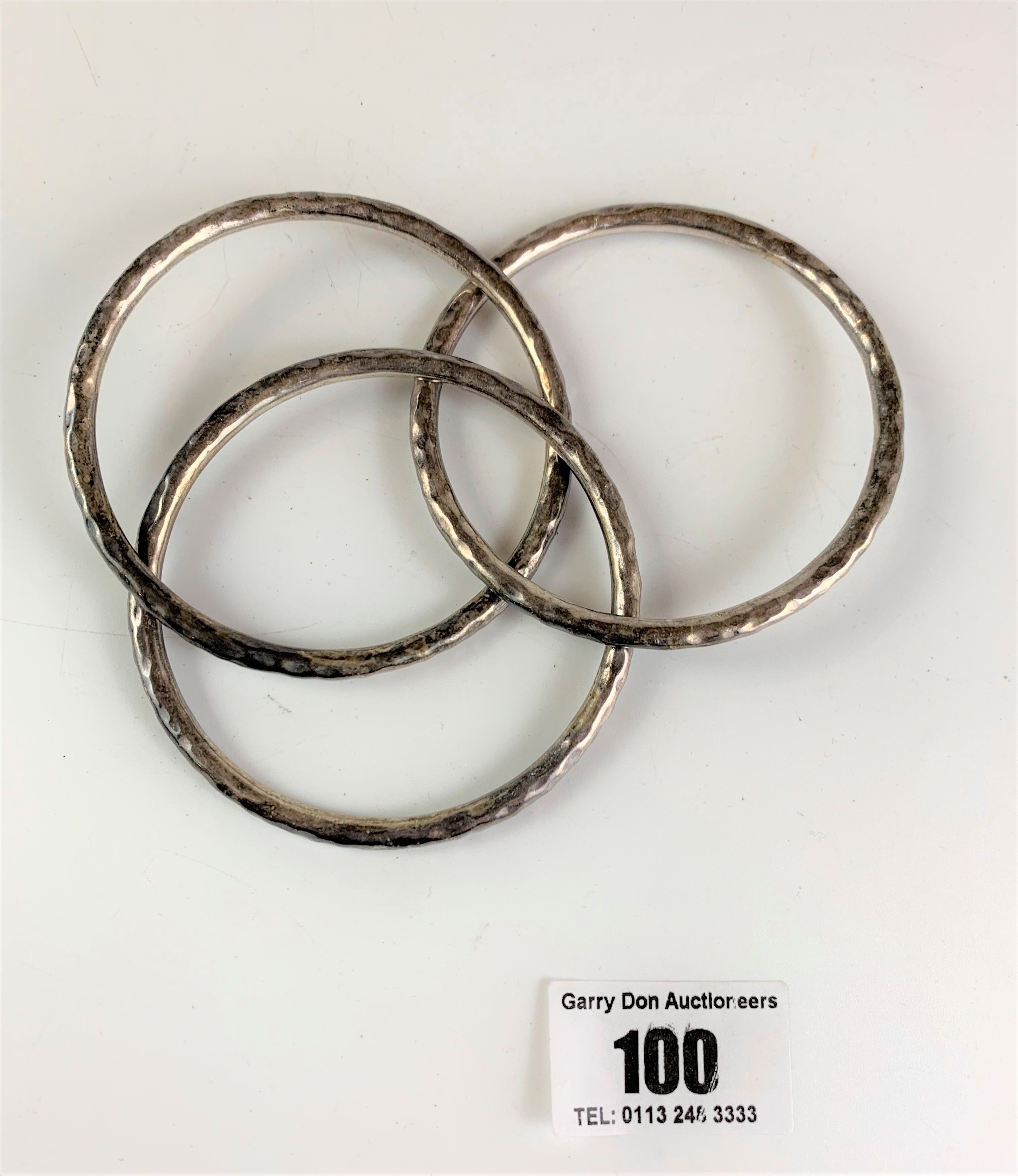 3 interlocked silver bangles, total w: 1.5 ozt - Image 3 of 3