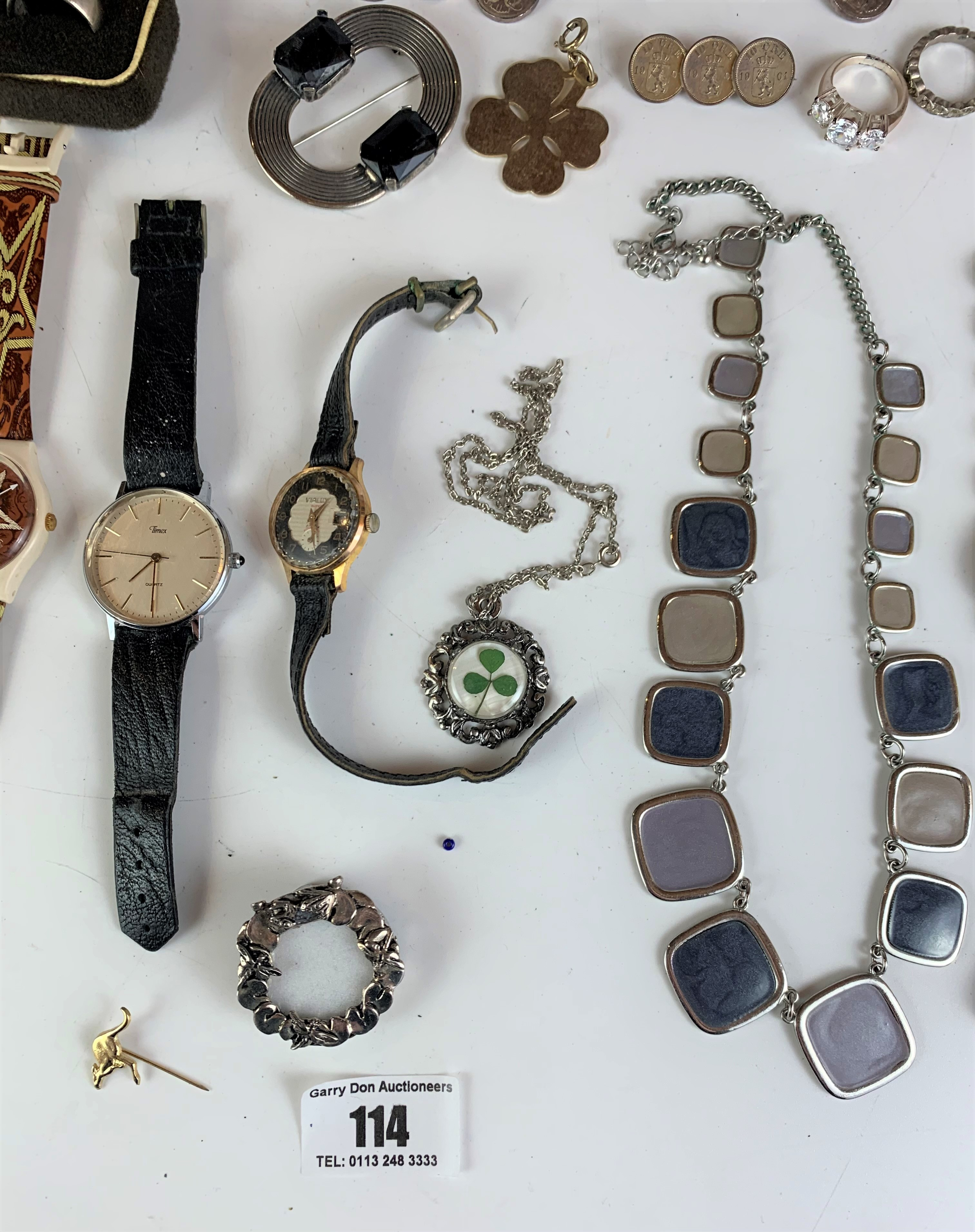 Large bag of assorted dress jewellery including watches, necklaces, bracelets, brooches etc. - Image 6 of 10