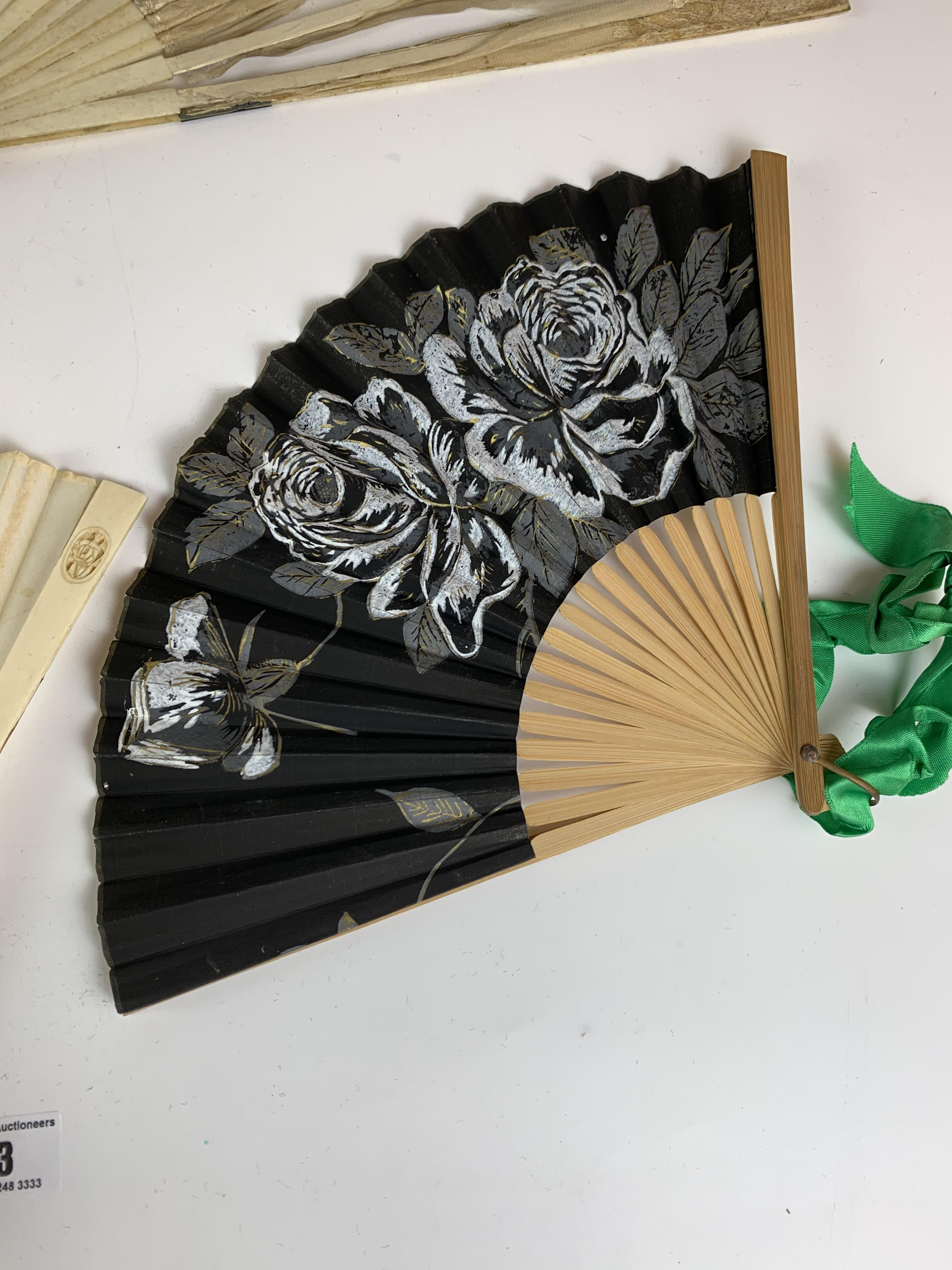 4 fans - Image 4 of 6