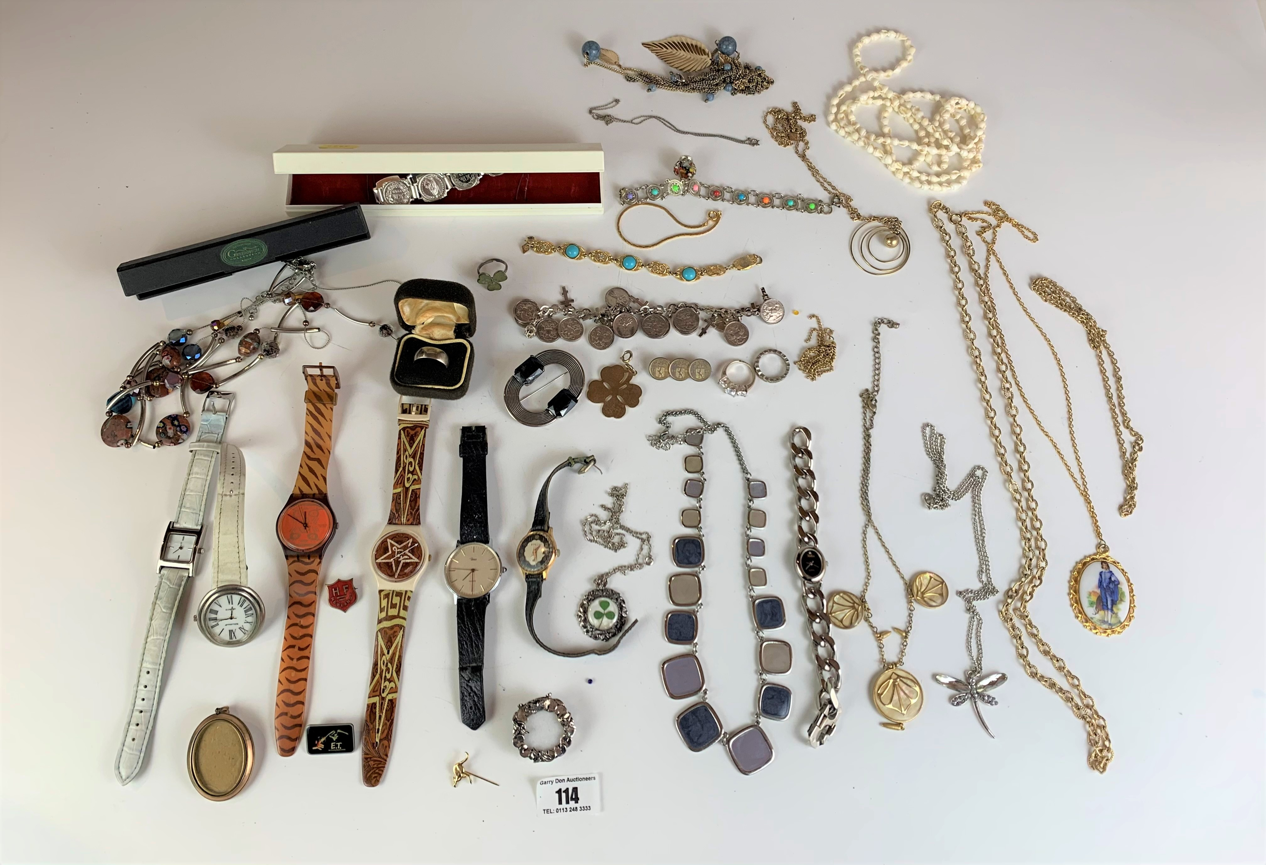 Large bag of assorted dress jewellery including watches, necklaces, bracelets, brooches etc. - Image 2 of 10