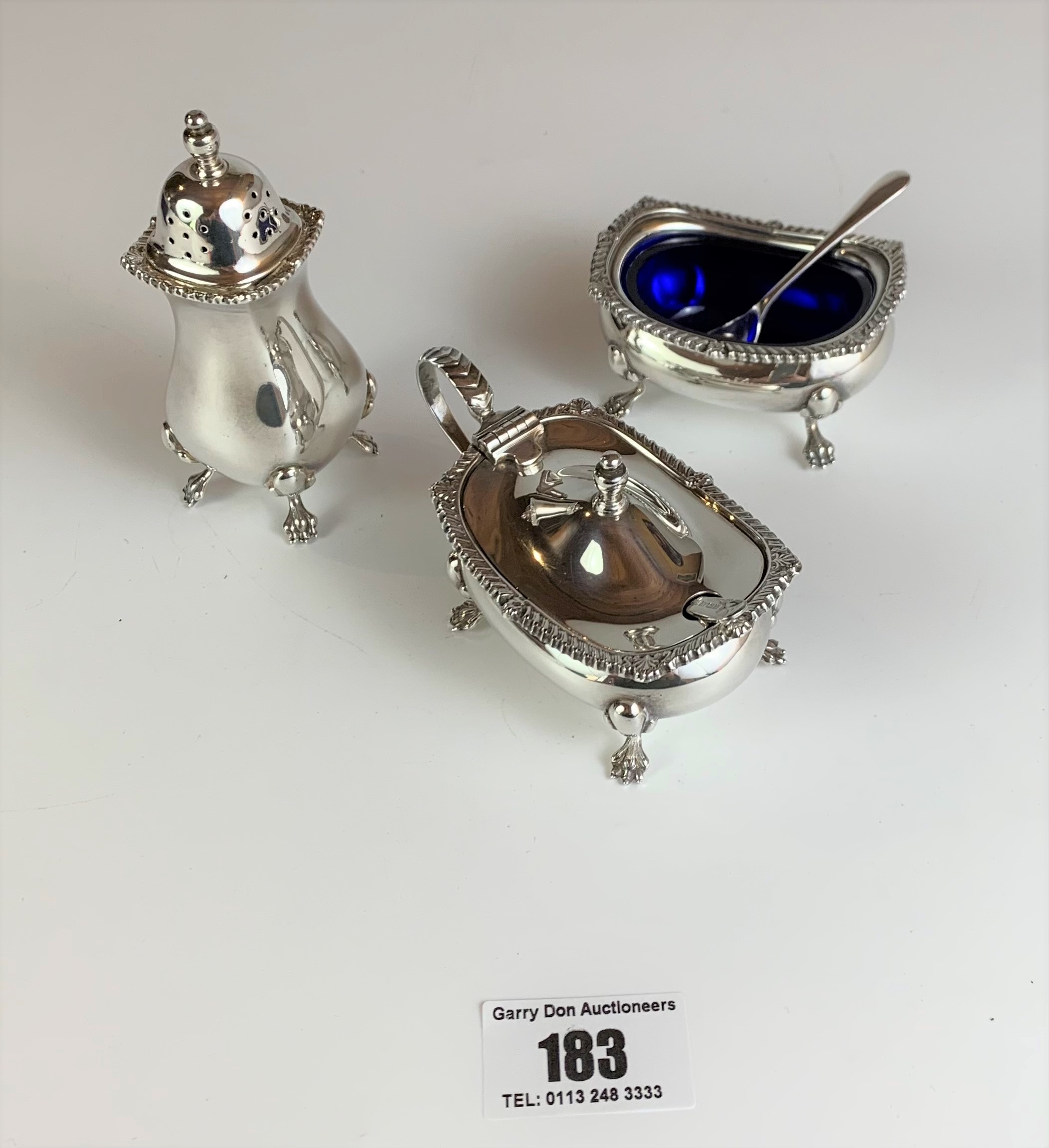 3 piece silver cruet set, pepper pot, salt dish with blue liner and spoon, mustard pot with blue - Image 2 of 4