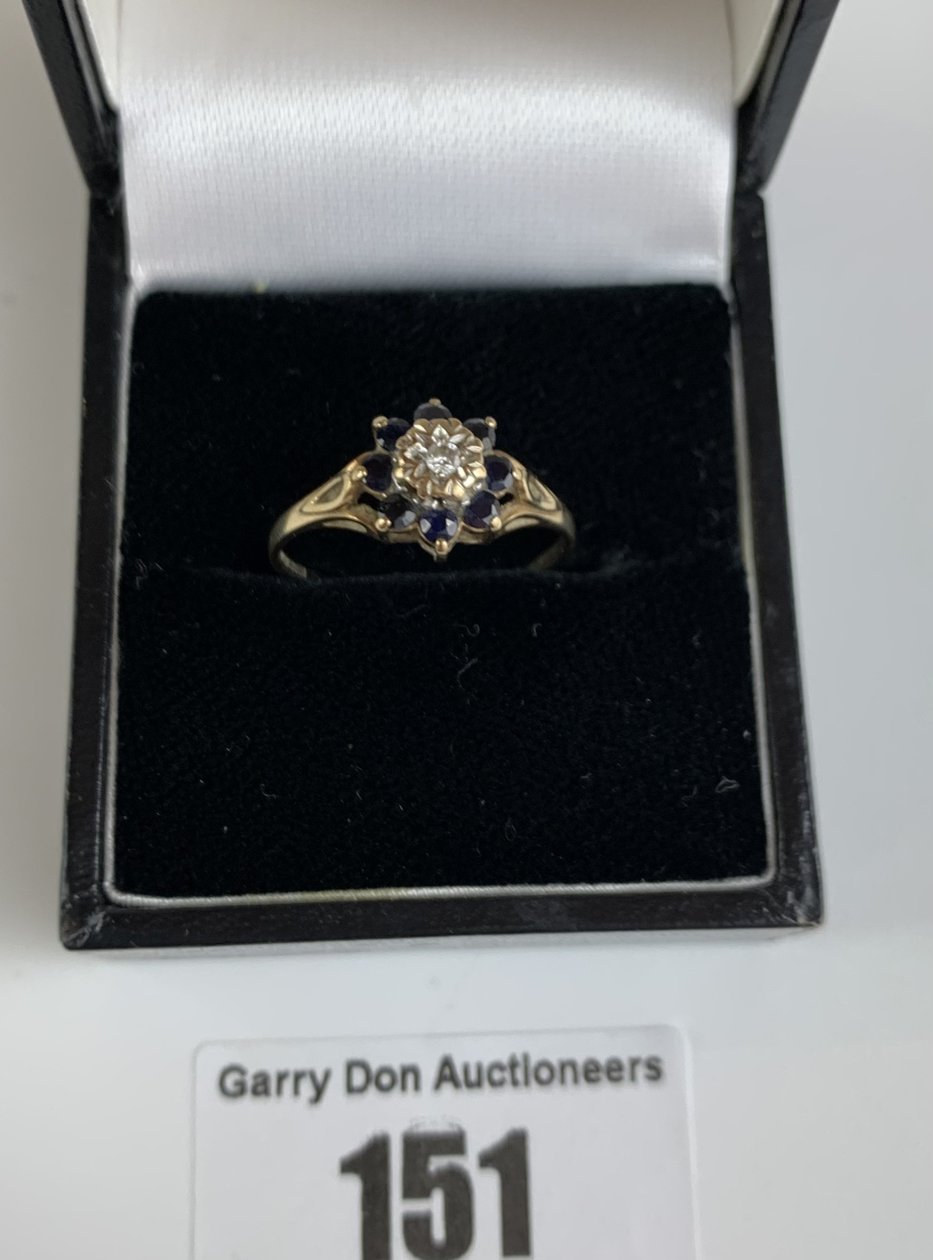 9k gold ring with diamond and black stones, size O, w: 1.5 gms - Image 4 of 4