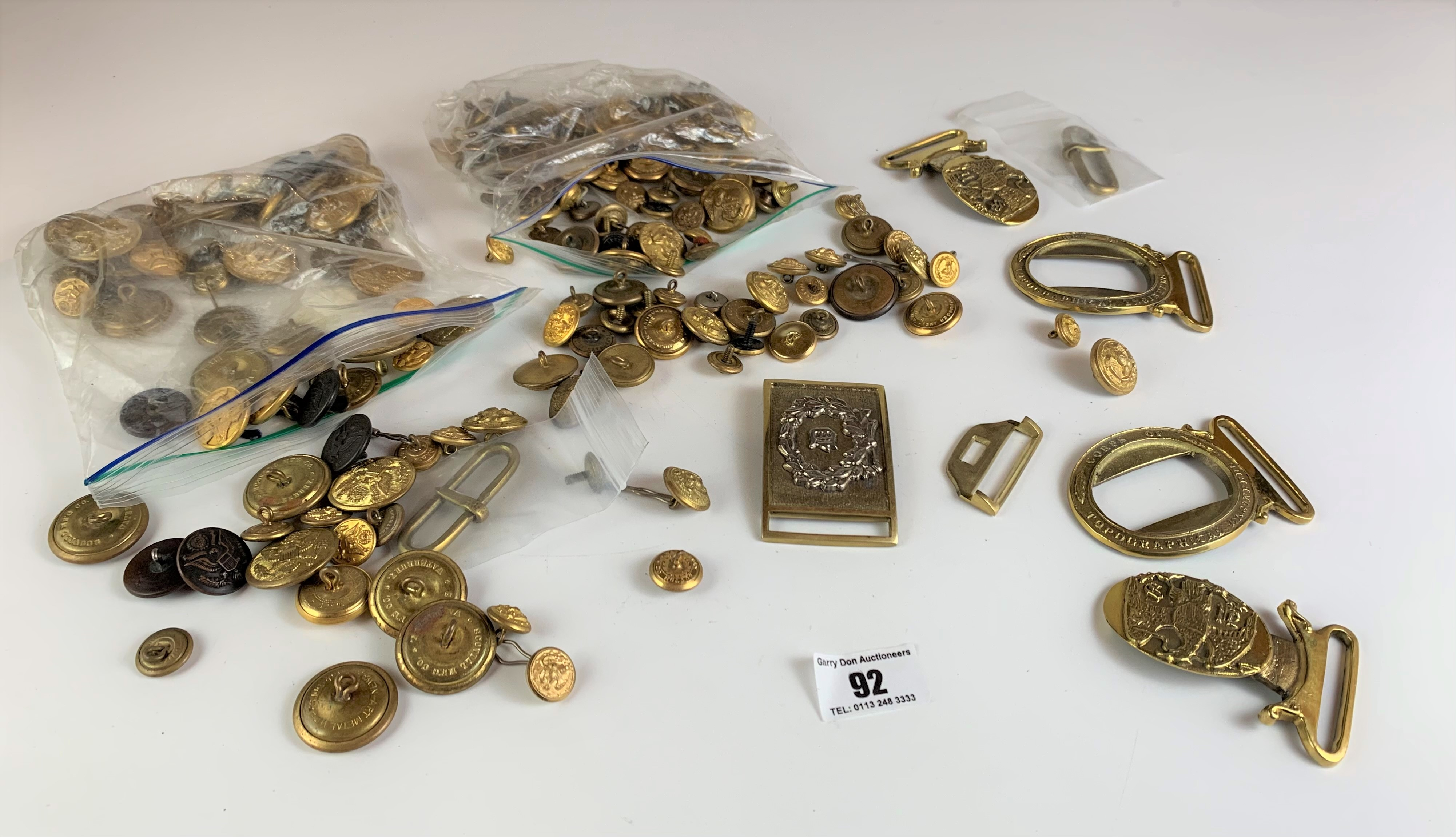 Large bag of assorted brass buttons and belt buckles - Image 2 of 6