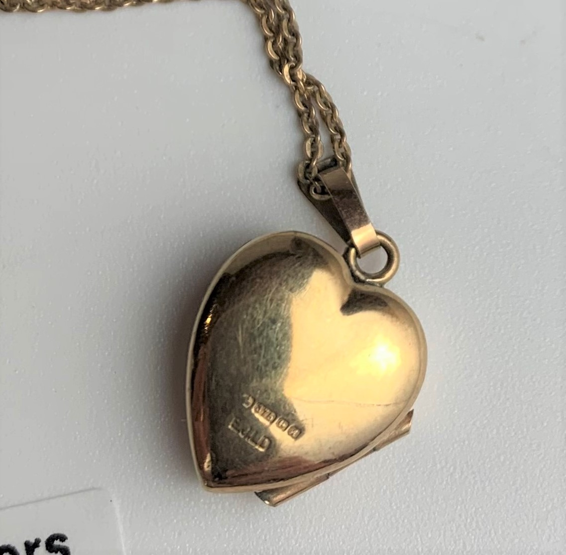 """9k gold necklace with heart locket, length 16"""" plus 1"""" locket, and 9k gold necklace, 15"""" length. - Image 4 of 5"""