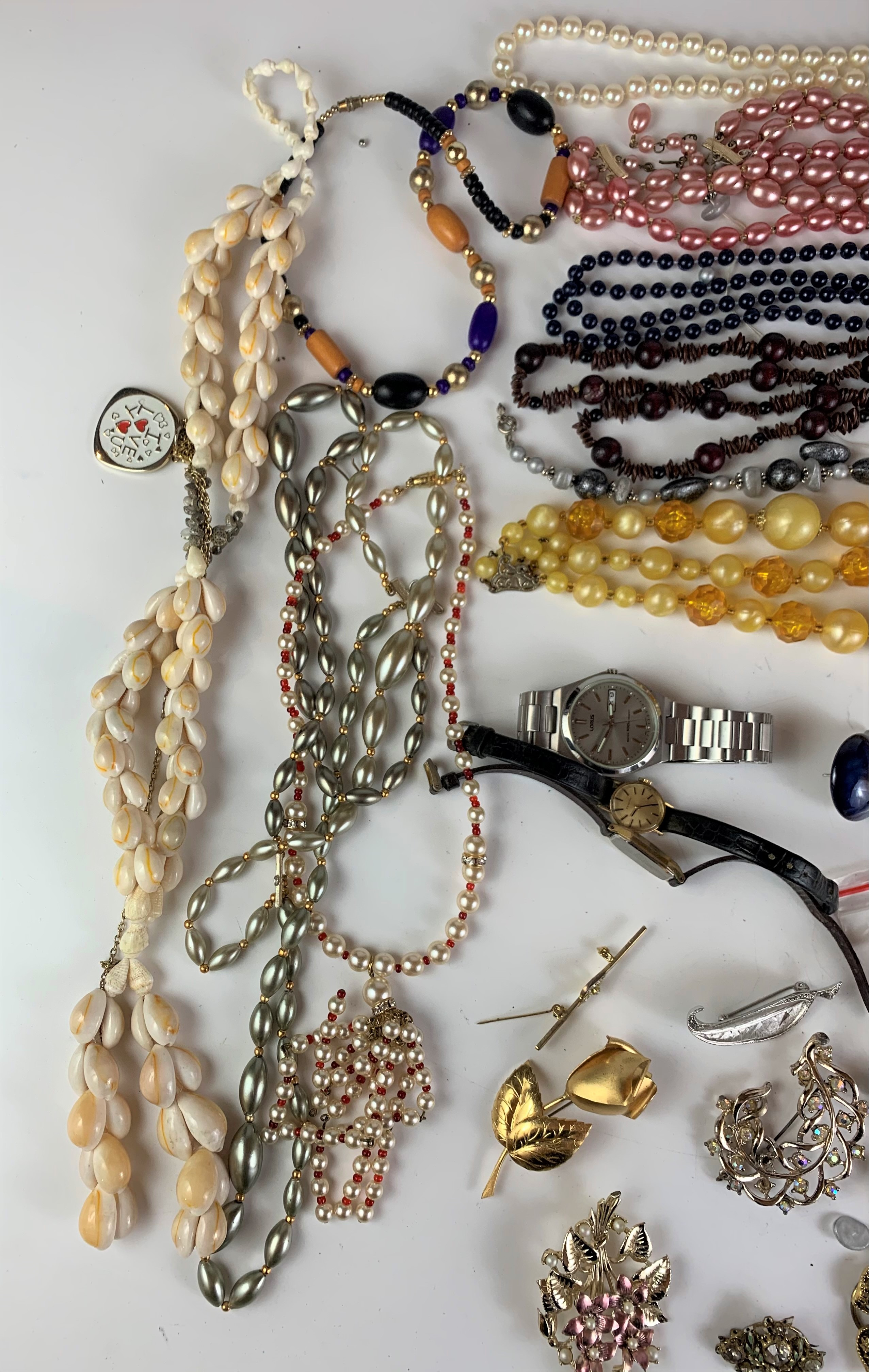 Large bag of assorted dress jewellery including necklaces, beads, earrings, brooches etc. - Image 3 of 8
