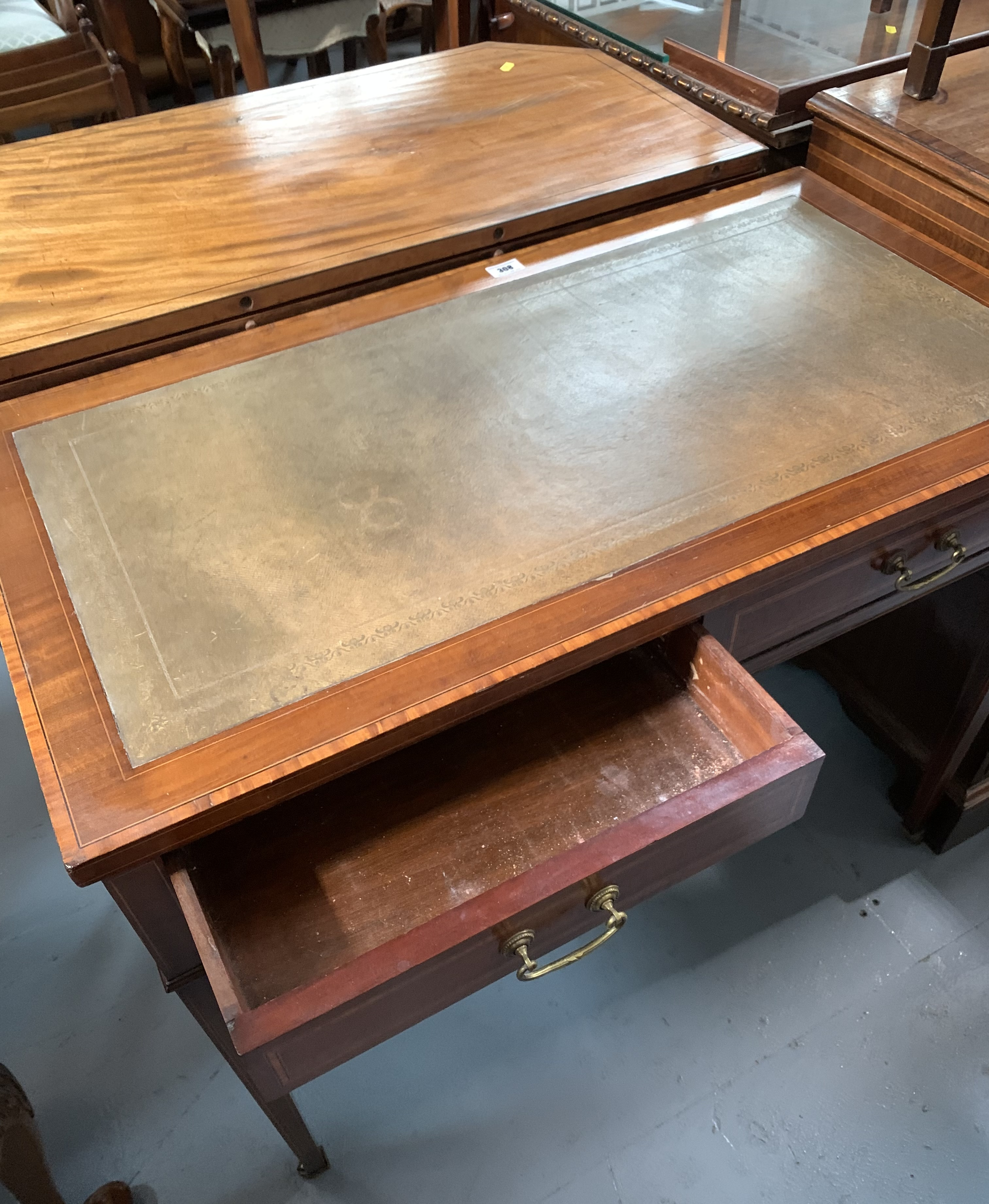 """Cross banded inlaid desk on castors with leather top and 2 drawers. 28.5"""" high, 36"""" wide, 19"""" deep - Image 5 of 5"""