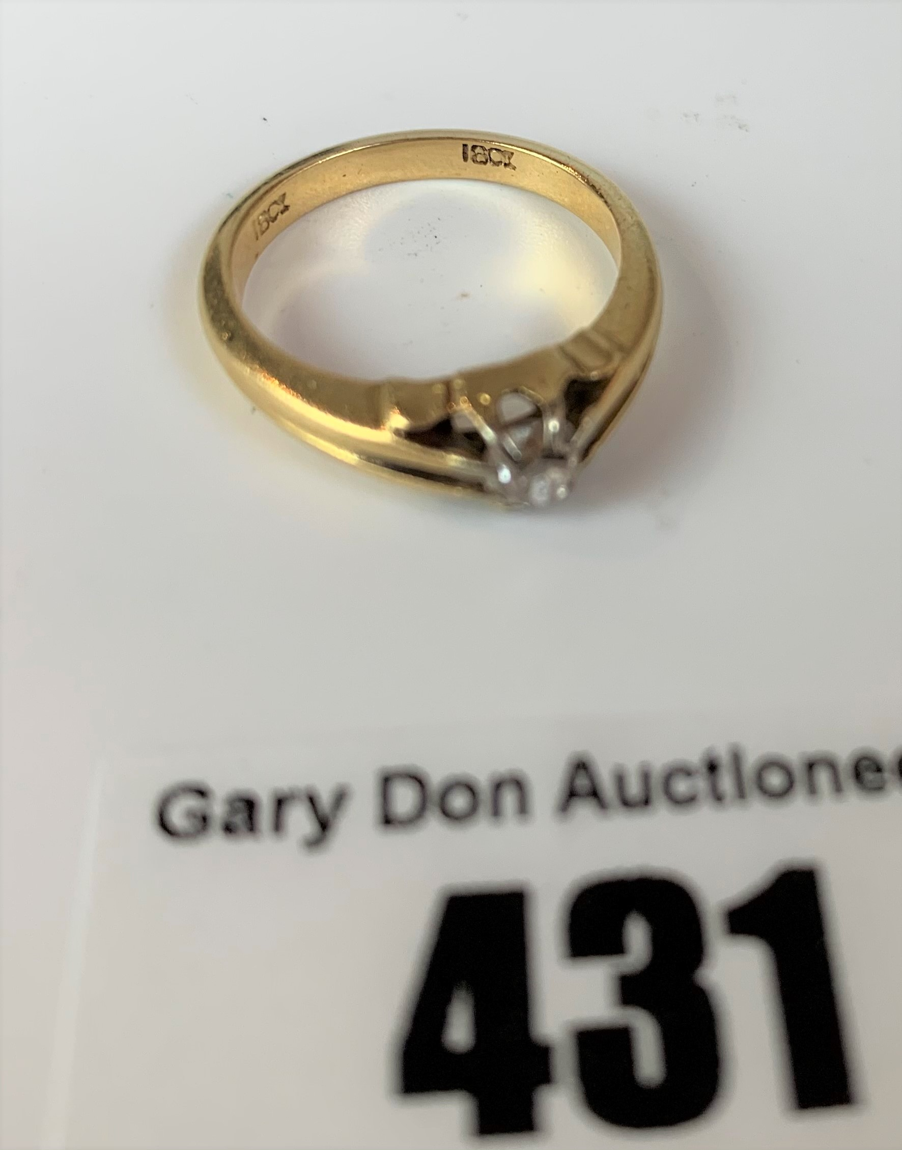 18k gold and diamond solitaire ring, size K, w: 4.1 gms - Image 4 of 5