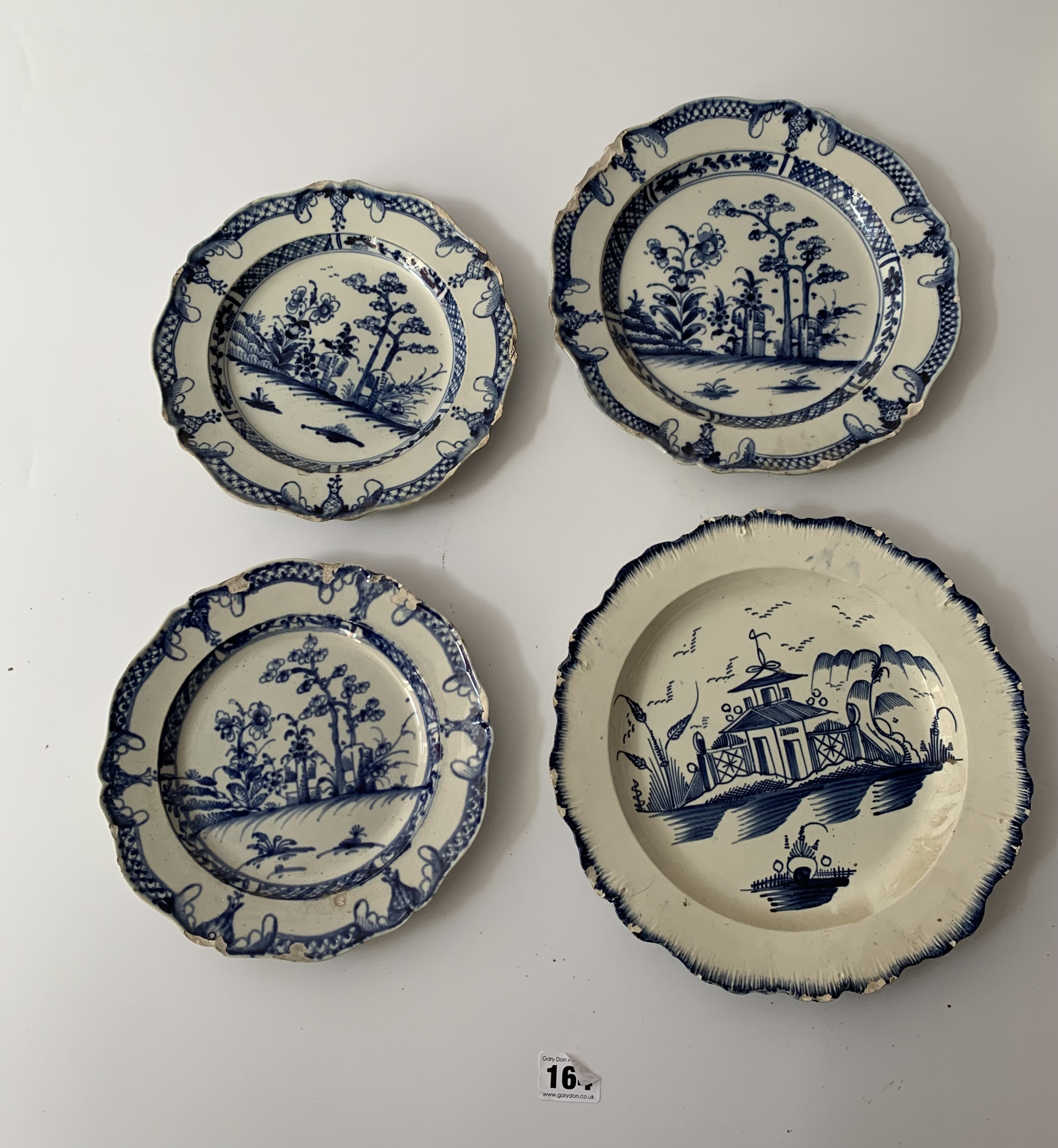 """12 assorted blue/white plates (chipped) 8"""" – 10"""" - Image 2 of 10"""