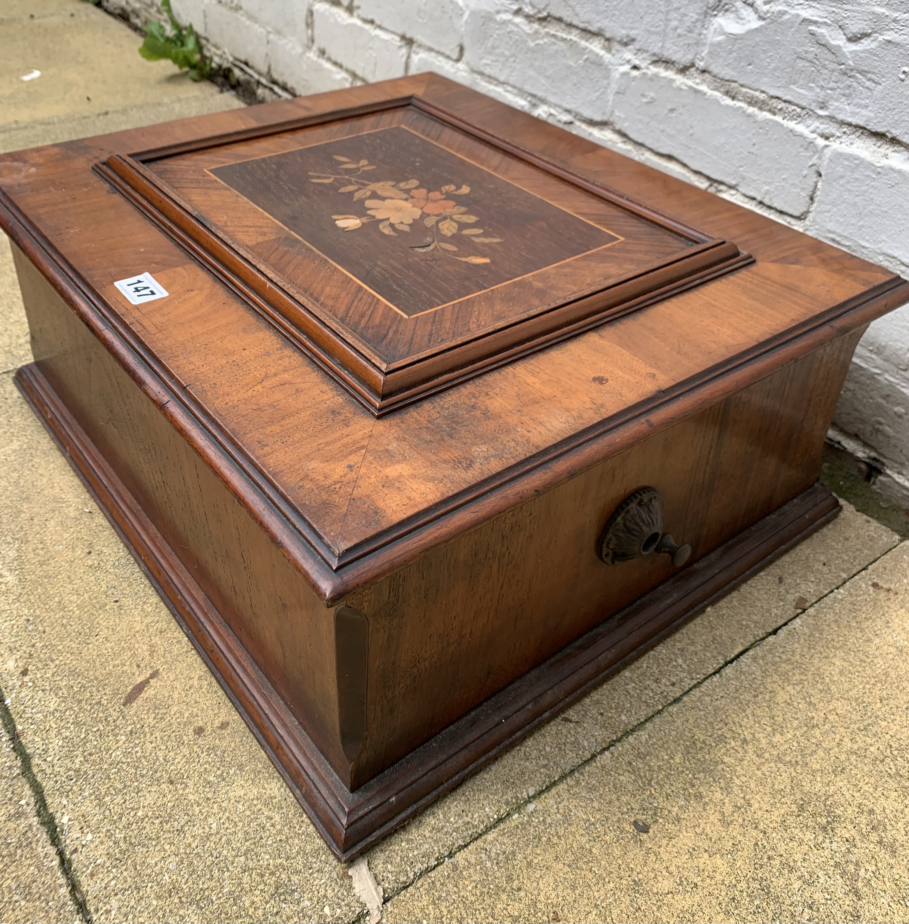 """Antique Polyphon music box in inlaid box, 21"""" long x 18"""" wide with 8 discs. Working - Image 7 of 15"""