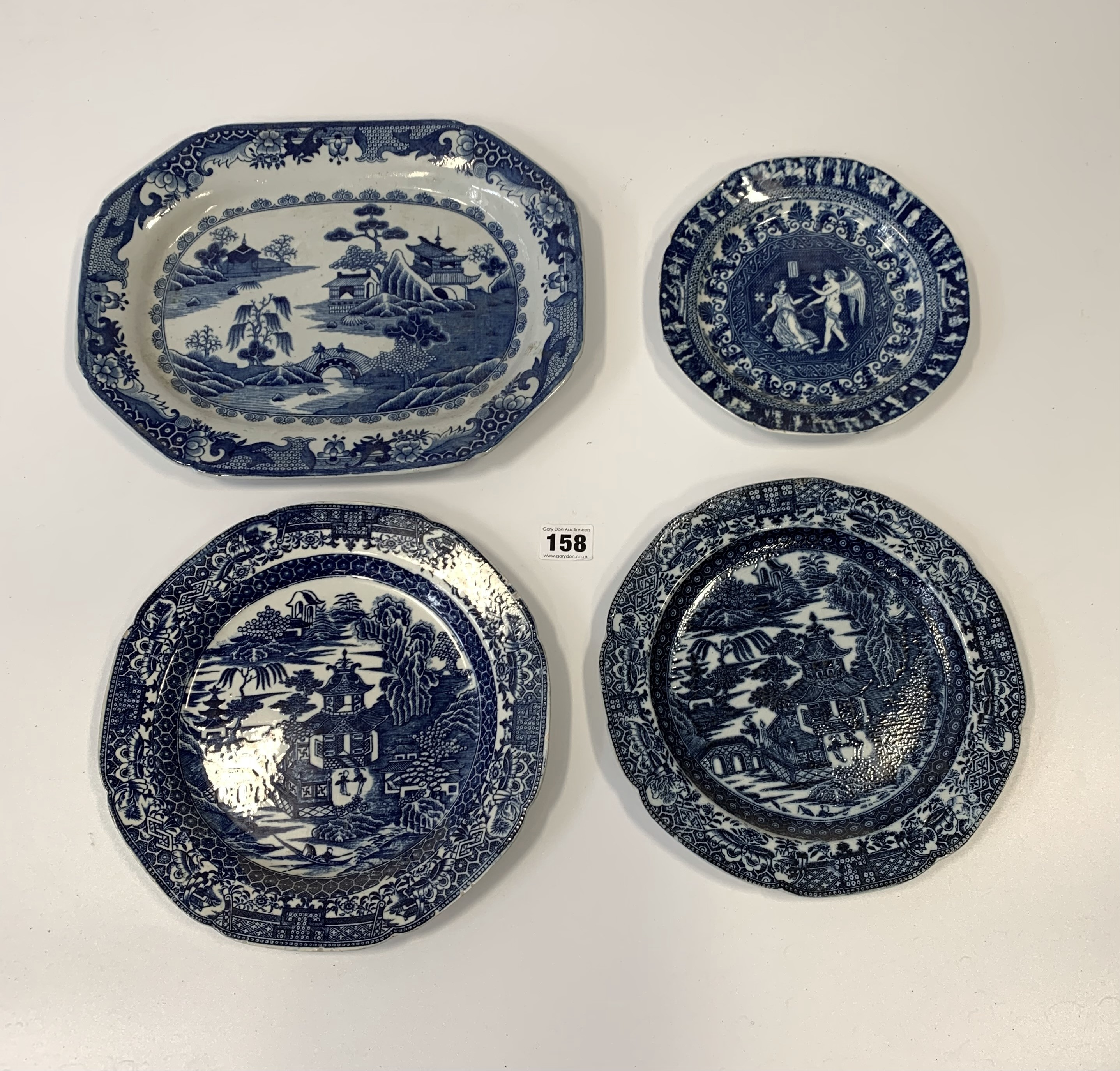 """4 blue/white plates 12"""", 9.5"""", 9"""" & 7"""" (chipped) - Image 2 of 8"""