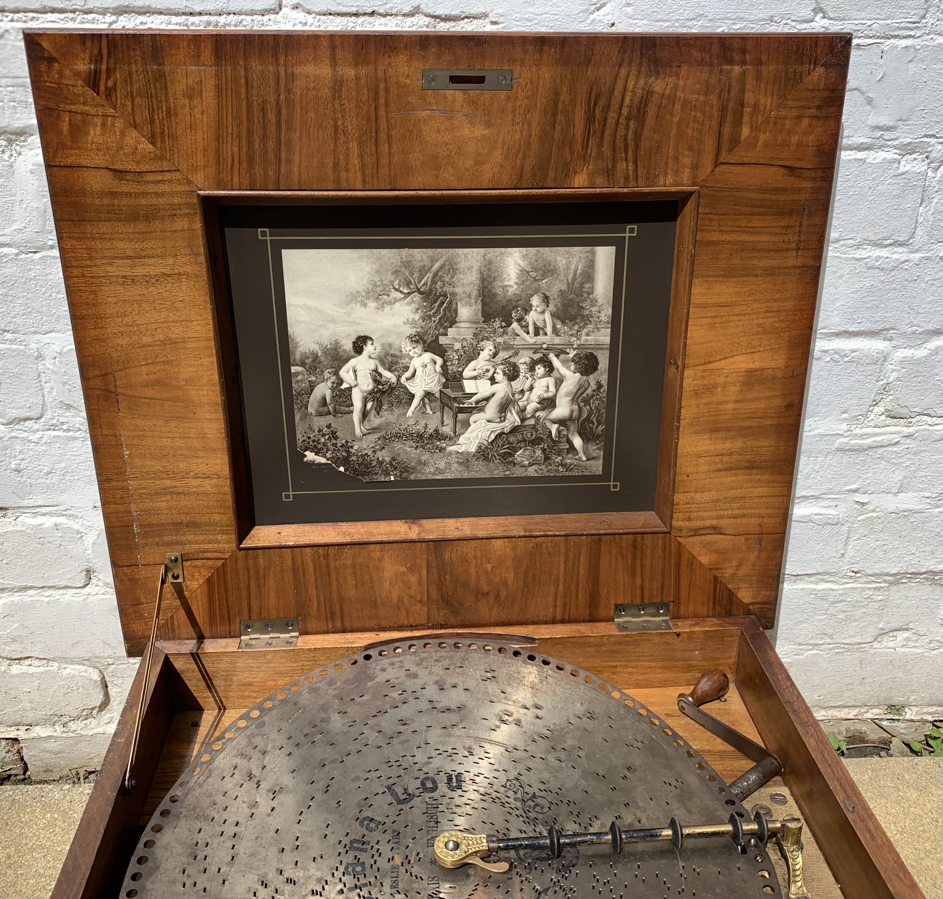 """Antique Polyphon music box in inlaid box, 21"""" long x 18"""" wide with 8 discs. Working - Image 4 of 15"""