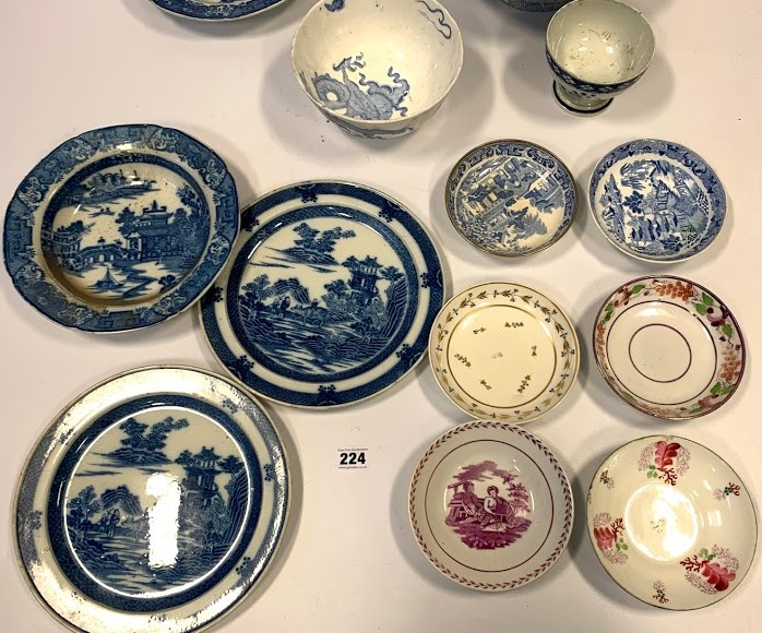 13 assorted blue/white plates and dishes - Image 3 of 6