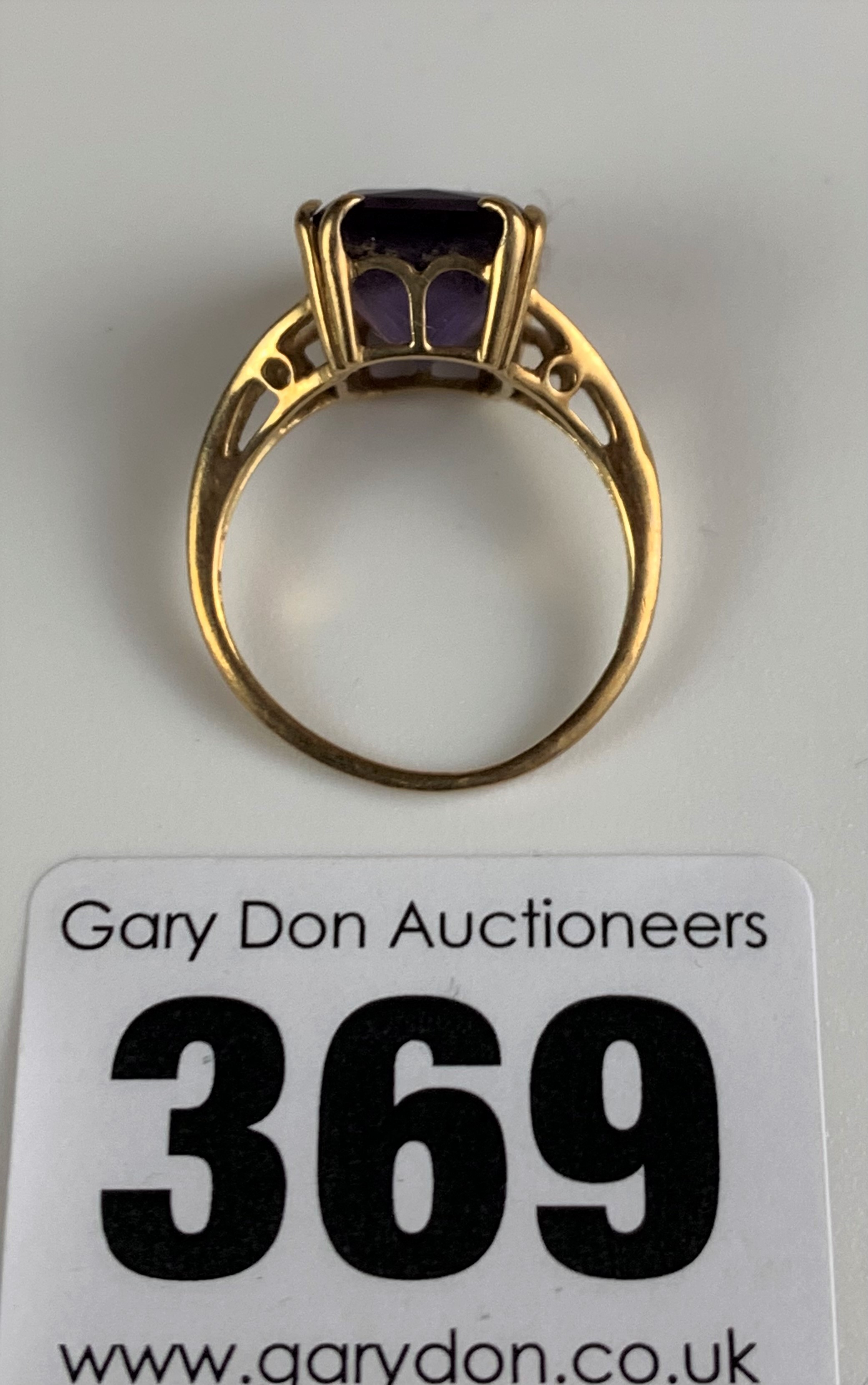 9k gold ring with purple stone, size L, w: 2.6 gms - Image 5 of 6