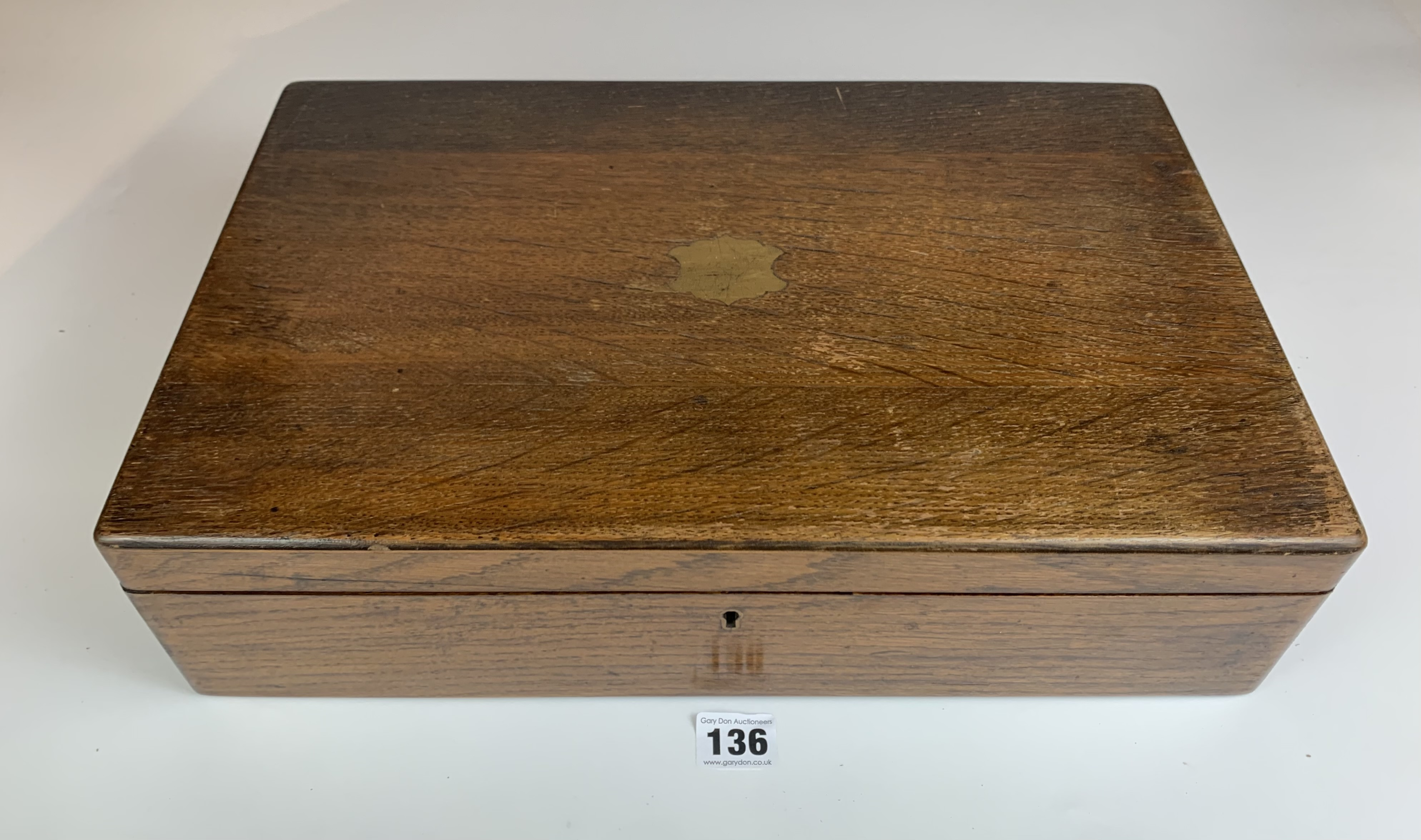 """Walnut book shaped sewing box. 9"""" long x 7"""" wide x 3"""" high - Image 5 of 10"""