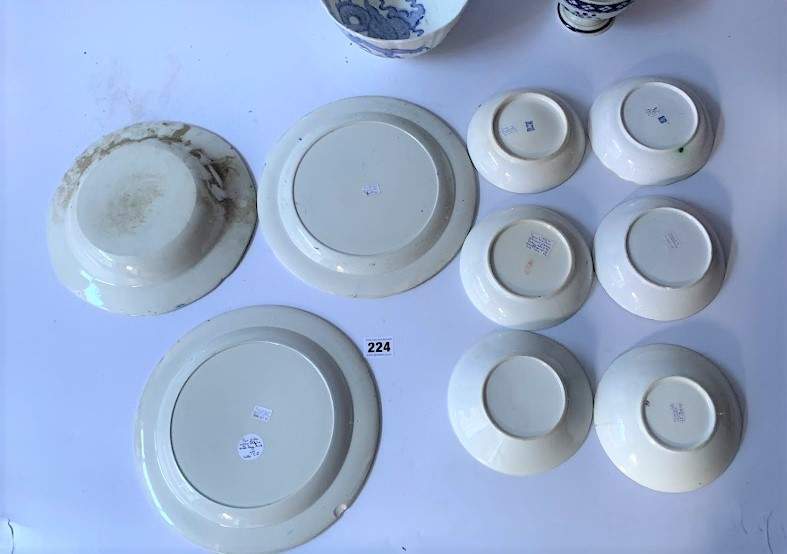 13 assorted blue/white plates and dishes - Image 4 of 6