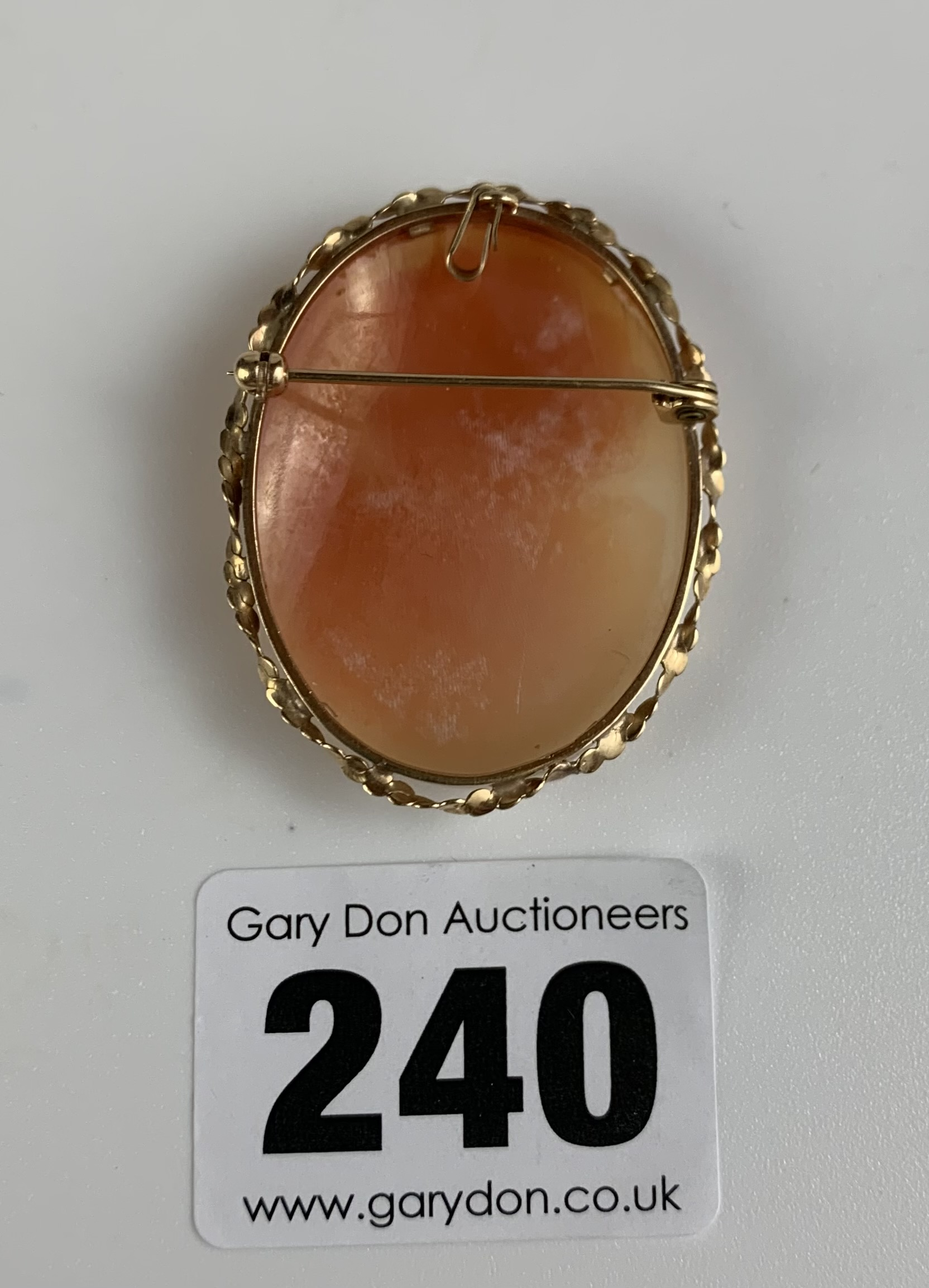 """Cameo in 9k gold surround, length 1.5"""", total w: 6.1 gms - Image 4 of 4"""