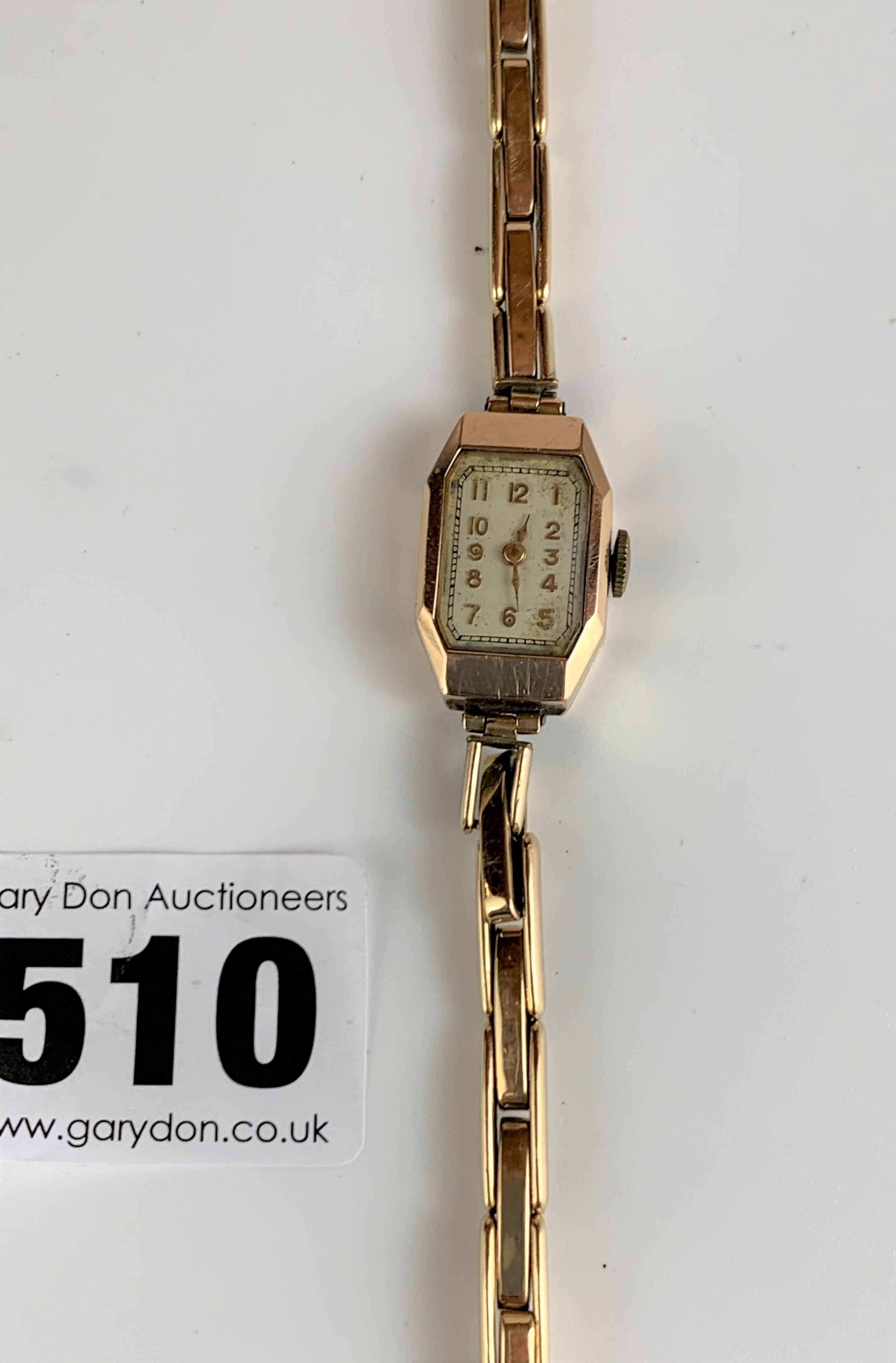 9k gold ladies watch with plated strap, total w: 12 gms, working - Image 4 of 5
