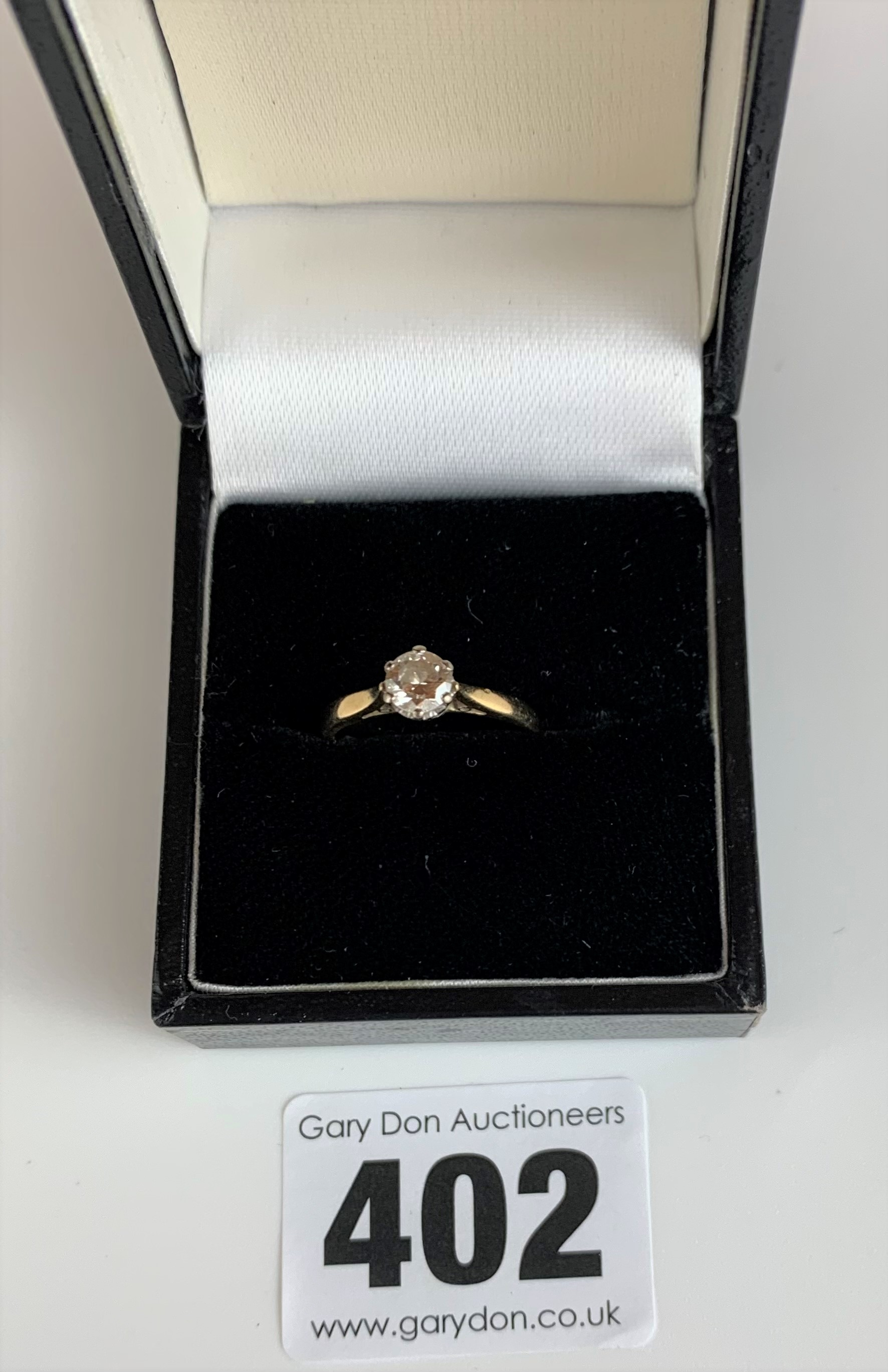18k gold and diamond solitaire ring, size J, w: 2.2 gms