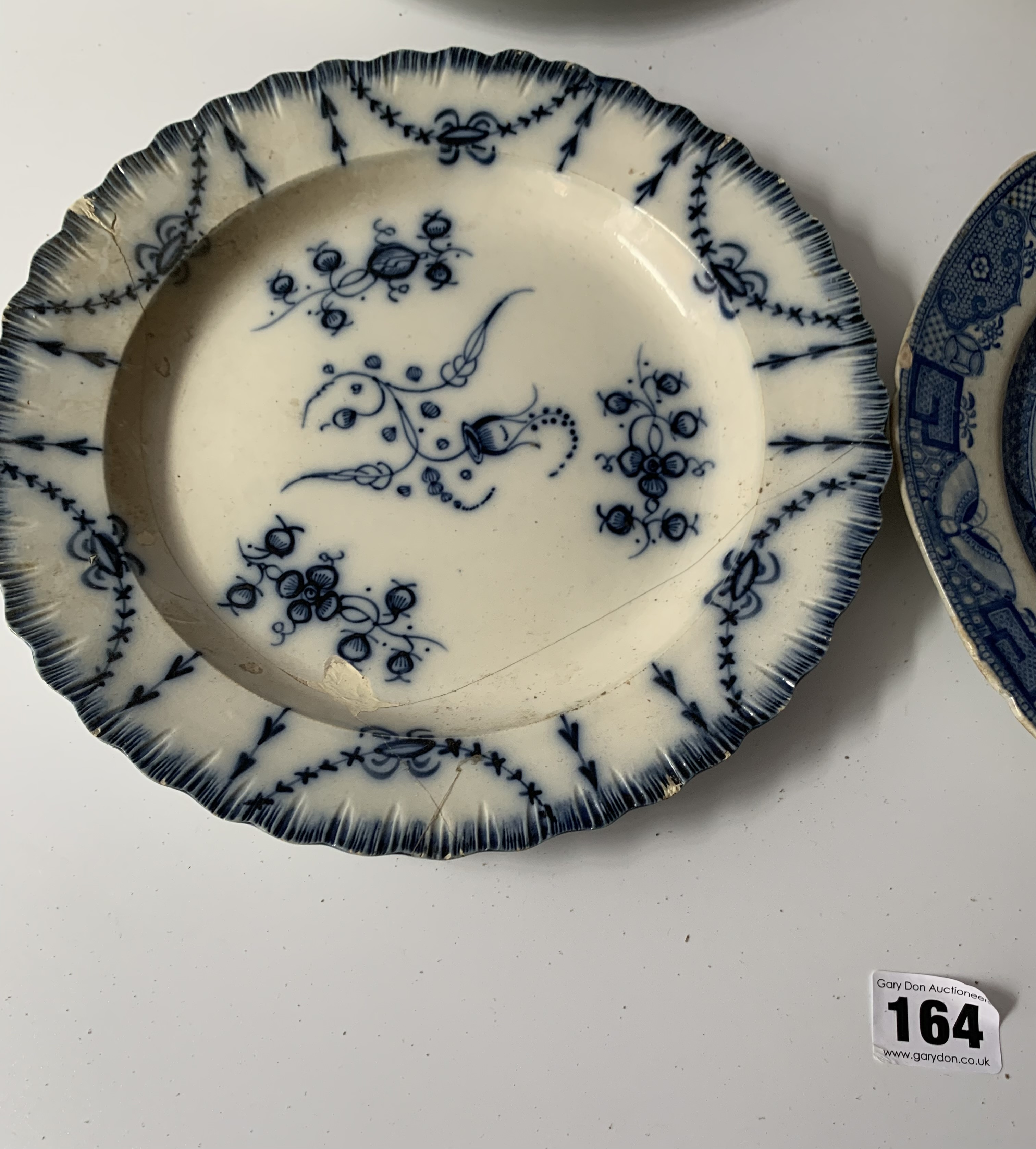 """12 assorted blue/white plates (chipped) 8"""" – 10"""" - Image 9 of 10"""