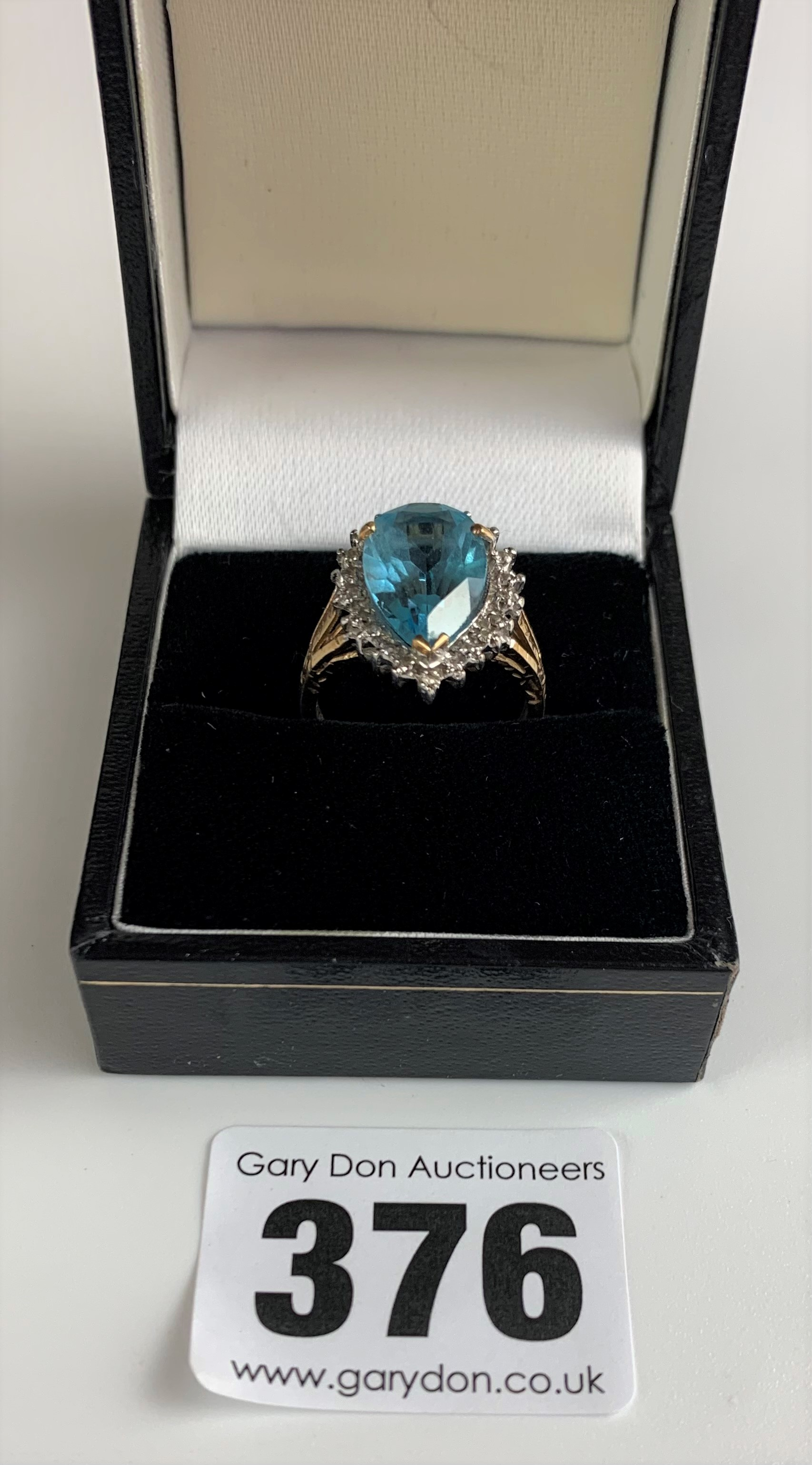 9k gold ring with blue heart shaped stone, size L, w: 3.5 gms - Image 2 of 6