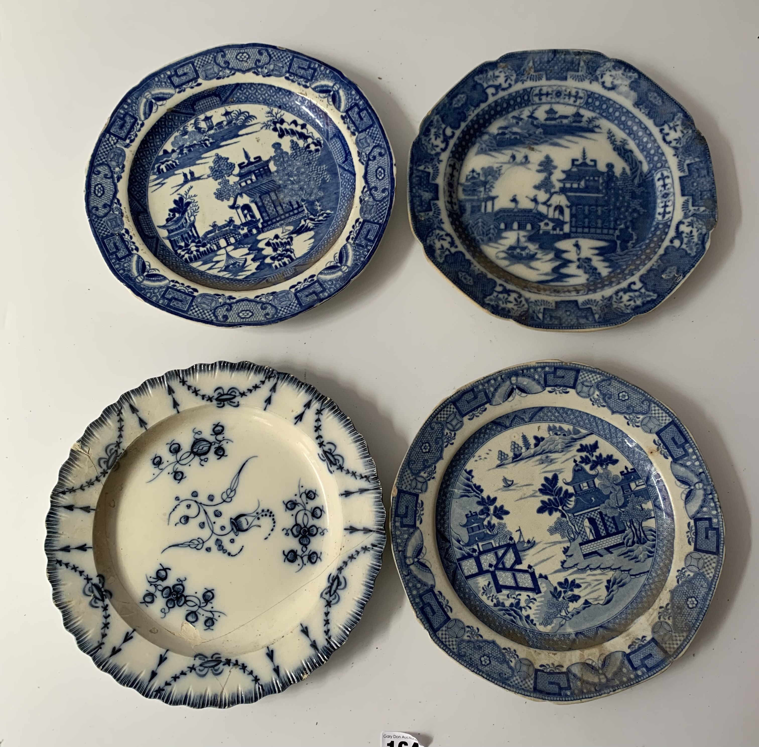 """12 assorted blue/white plates (chipped) 8"""" – 10"""" - Image 8 of 10"""