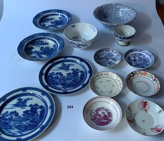 13 assorted blue/white plates and dishes - Image 2 of 6