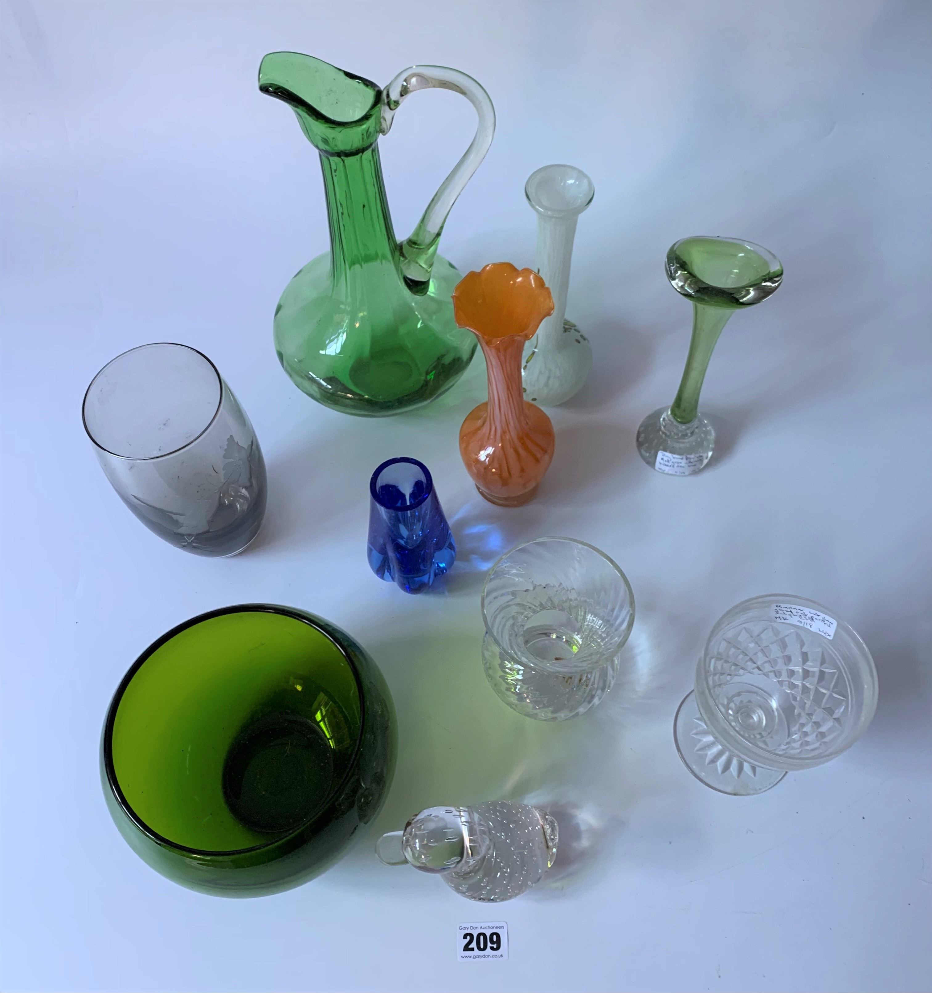 Assorted coloured and etched glassware - Image 2 of 5