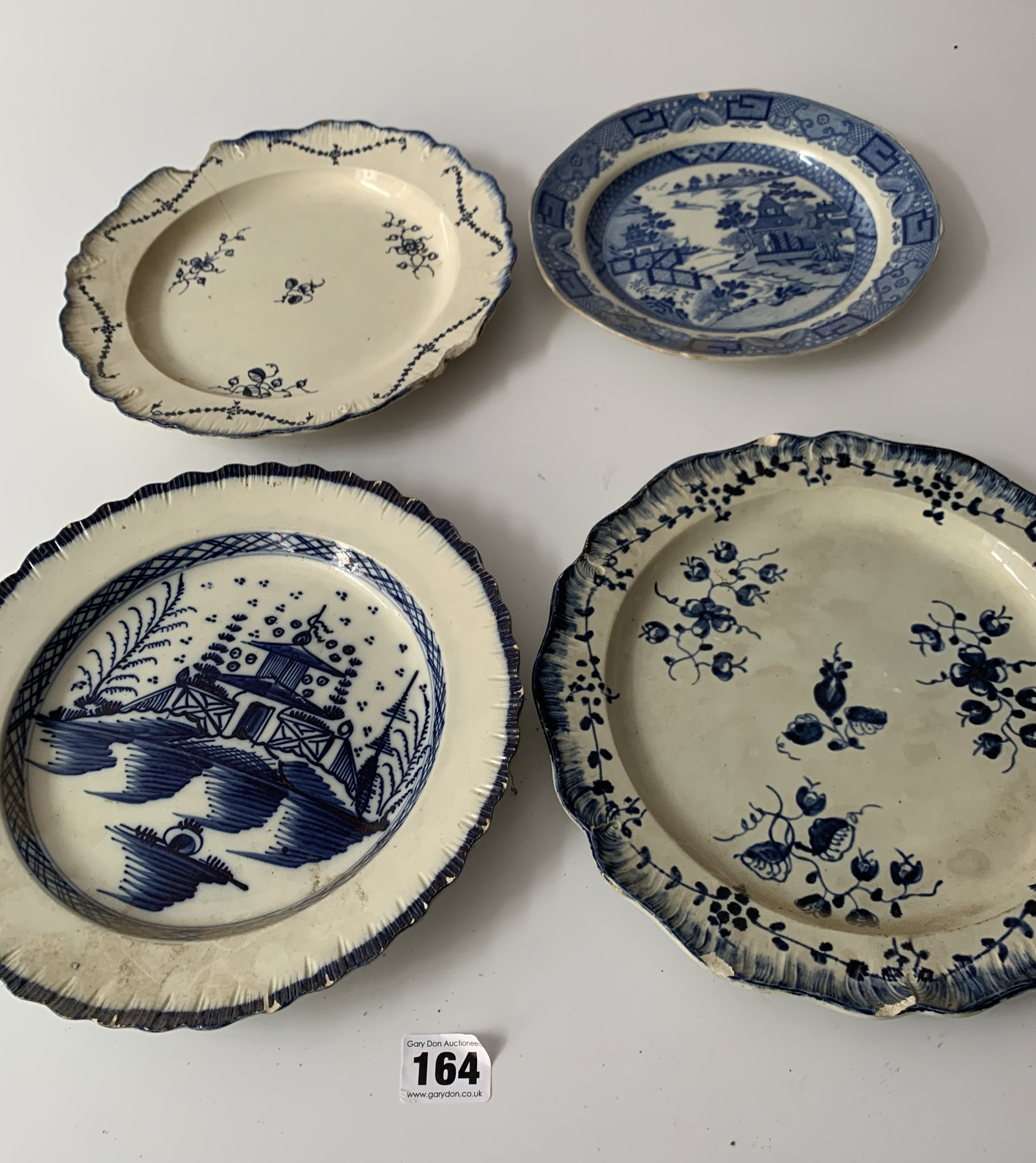 """12 assorted blue/white plates (chipped) 8"""" – 10"""" - Image 5 of 10"""