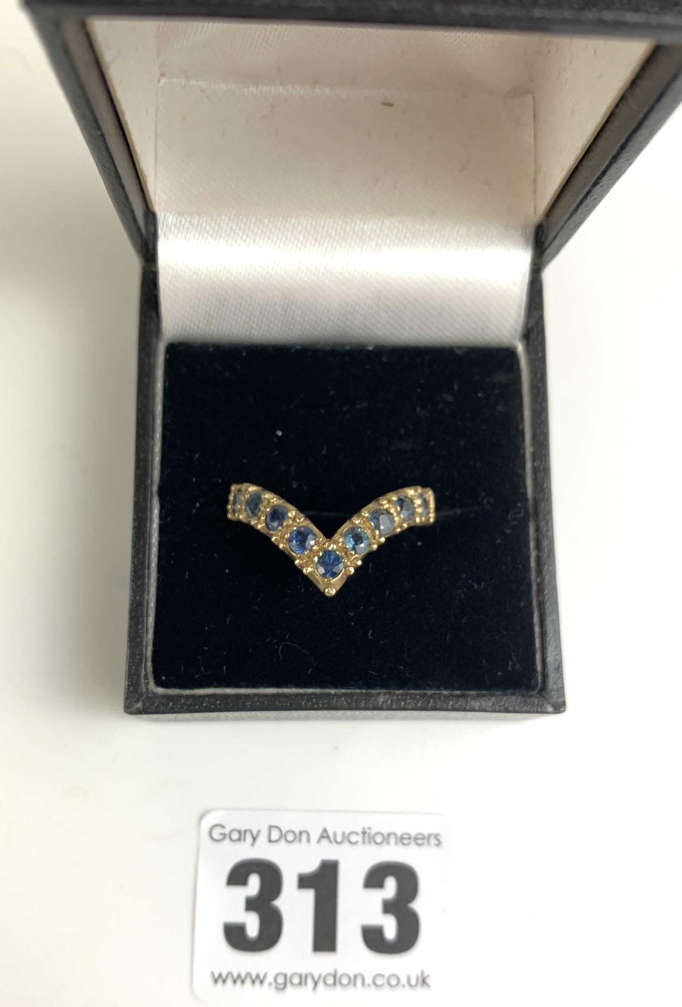 9k gold and blue stone wishbone ring, size N/O, w: 3.5 gms