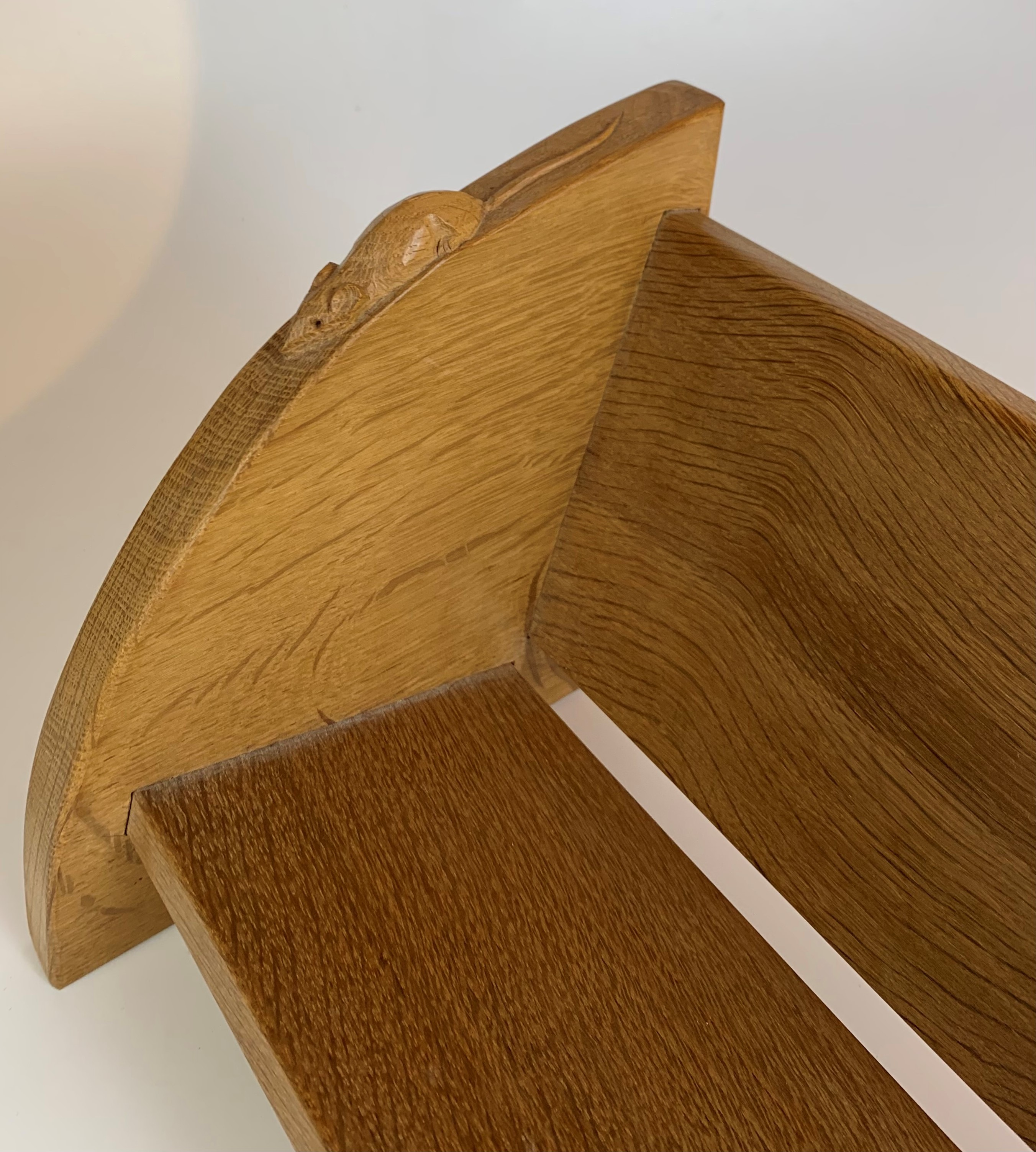 """Robert Thompson """"Mouseman"""" carved book stand 18"""" long x 8"""" wide x 8"""" high - Image 5 of 7"""