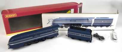 Boxed Hornby R2206 LMS 4-6-2 Coronation Class locomotive 'Coronation' 6220 and tender